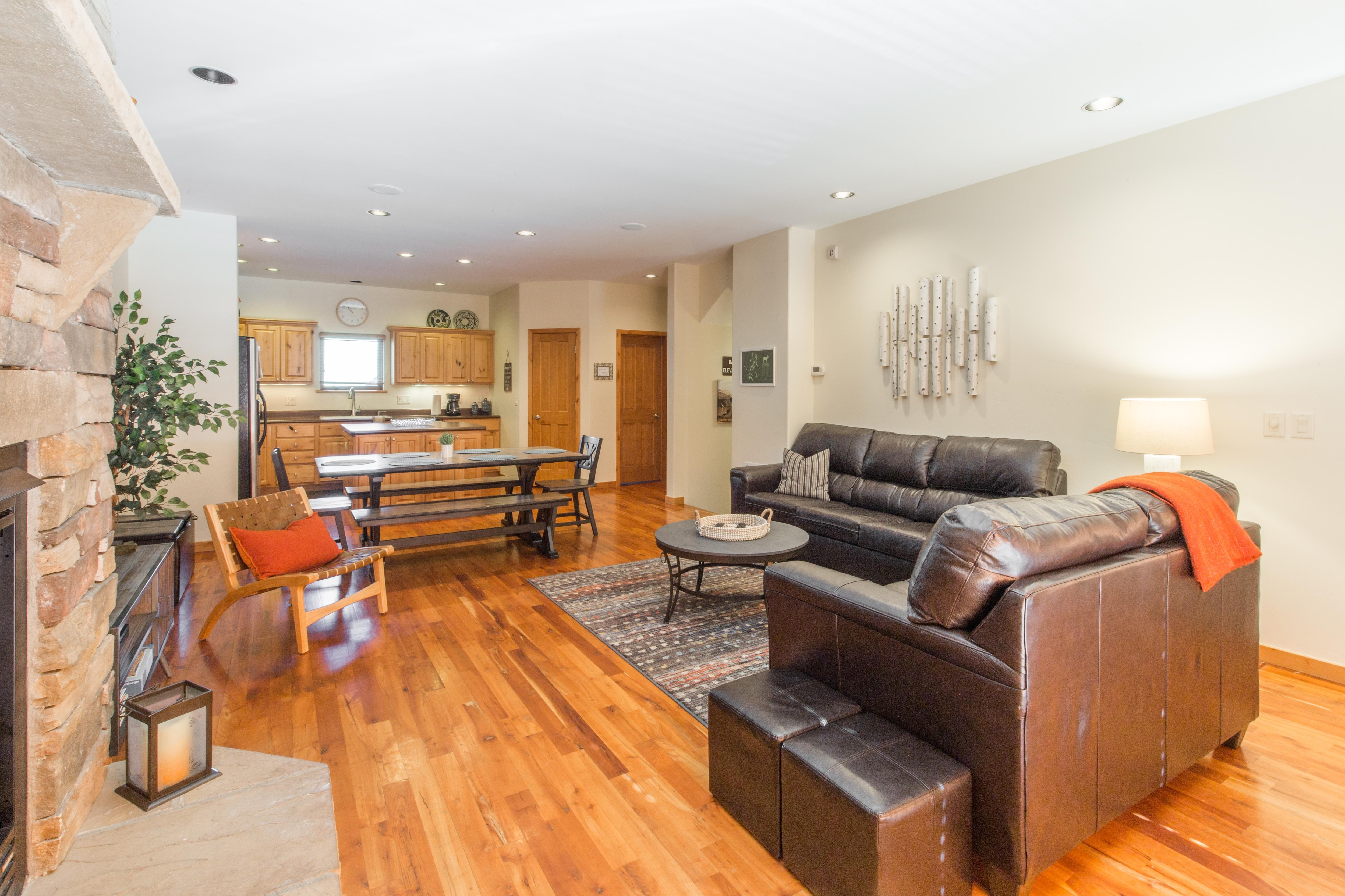 Newly Furnished - Upscale Townhome - Minutes to Downtown Ouray