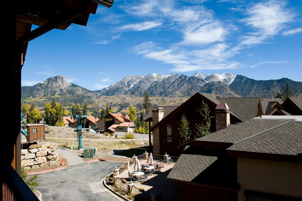 Luxury Slopeside Townhome - Best Location for Ski-in/Ski-out Access
