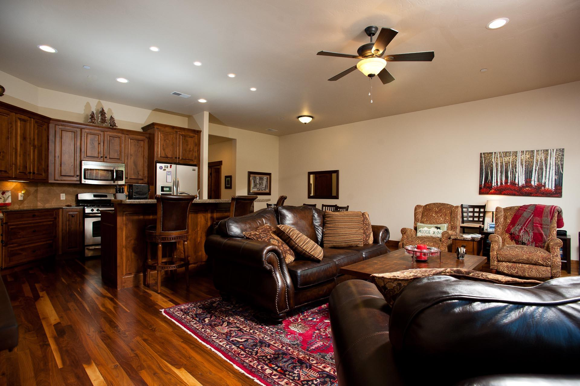 Luxury Townhome - 4 Miles from Downtown Durango - Central AC