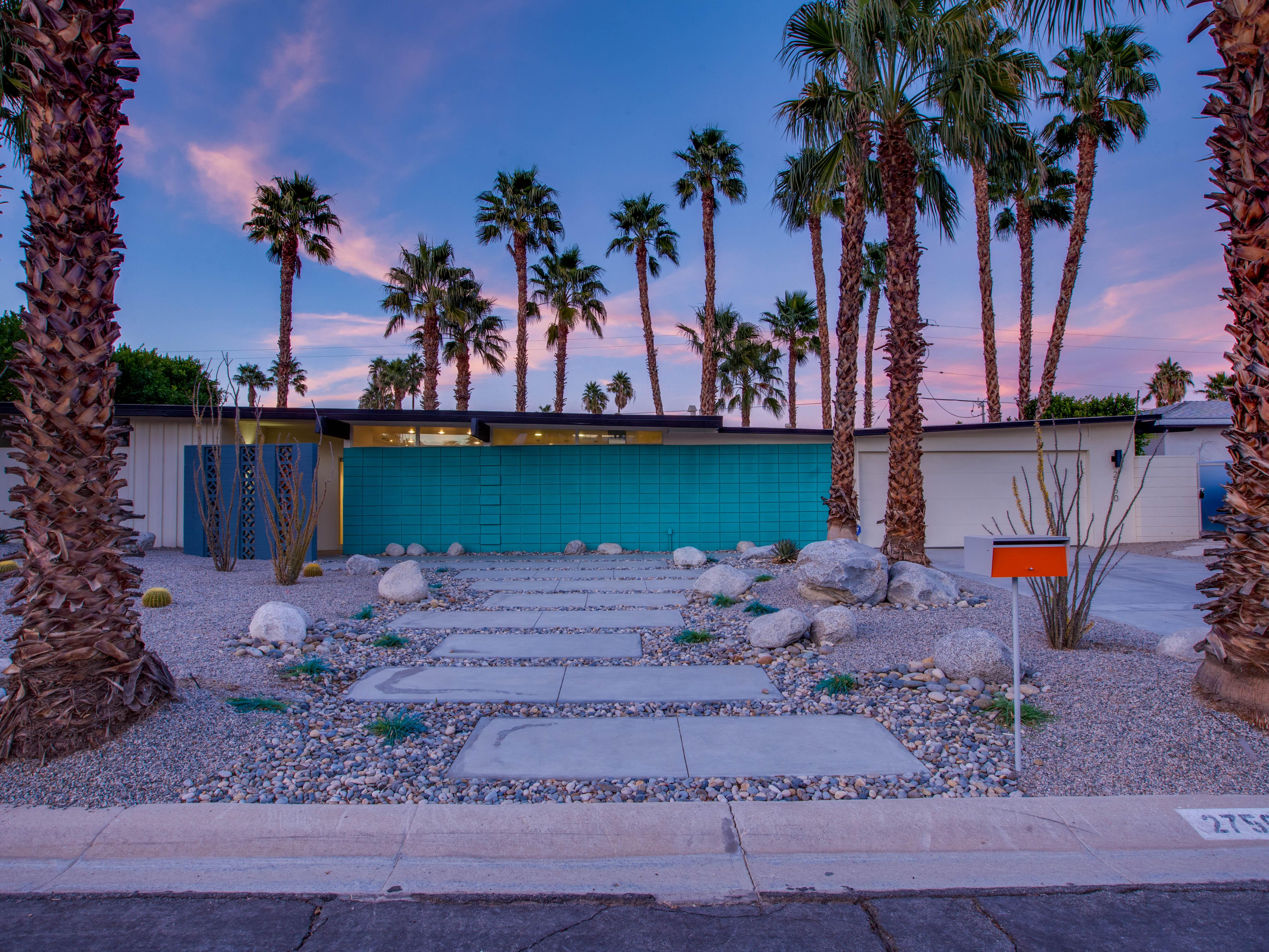 Updated, whimsical home Palm Springs with Resort Yard