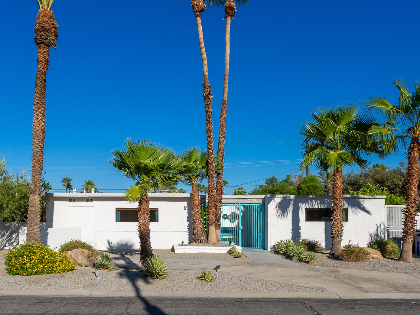 Remodeled Mid-Mod Home Palm Springs with Pool/Spa/View