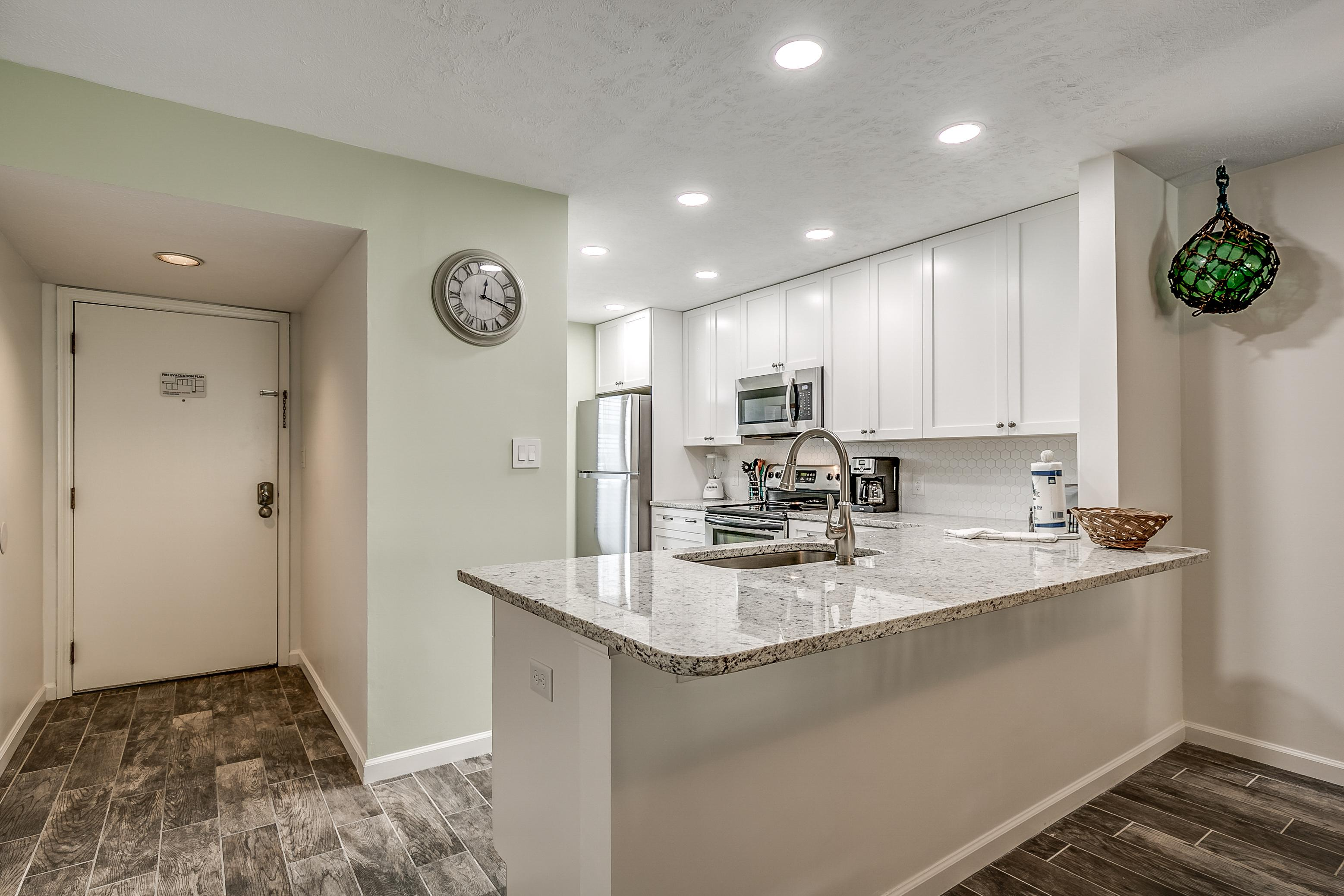 Property Image 2 - Large Condo with Remodeled Bathrooms in Golden Mile