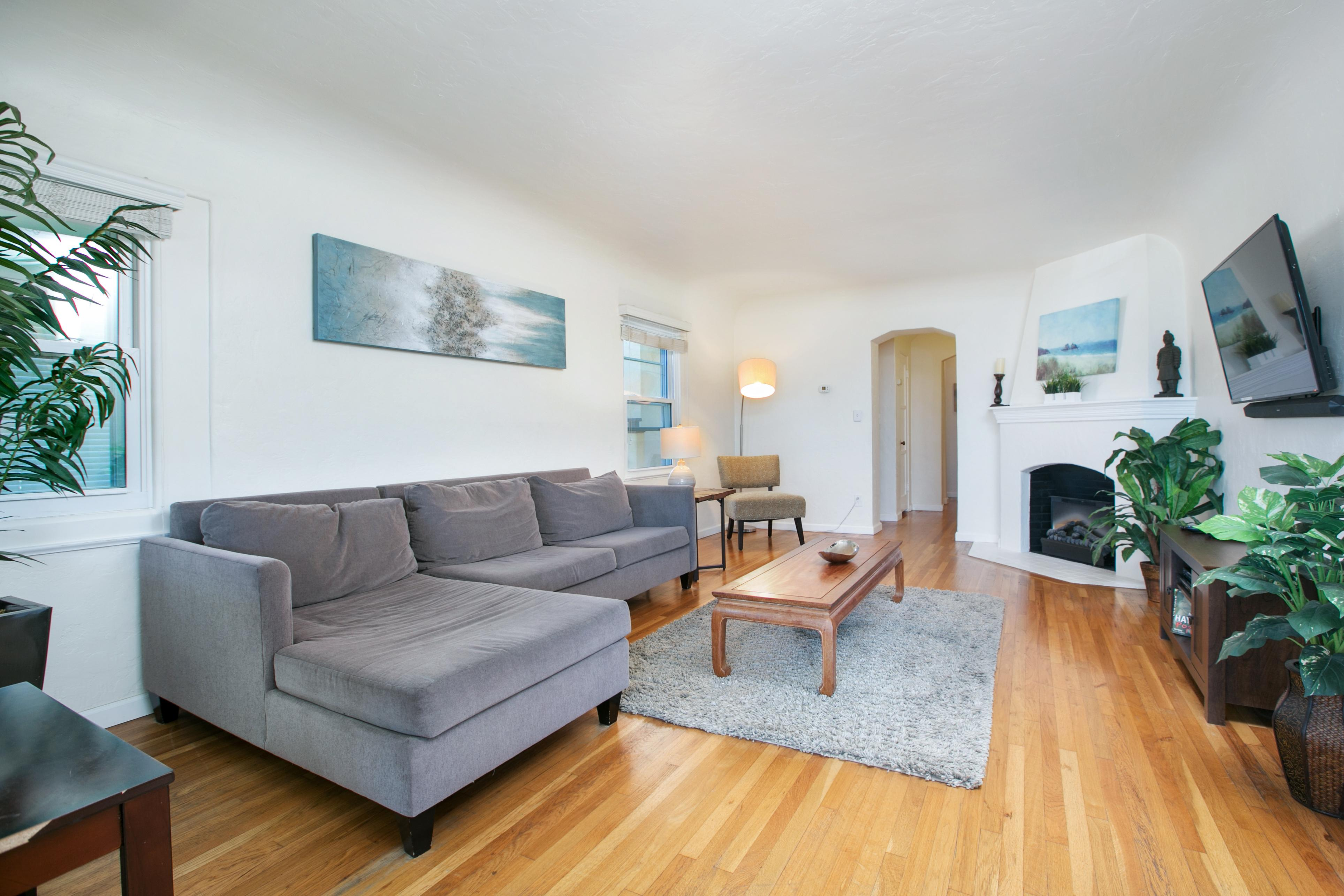 Two Bedroom Home in Mission Hills 1015