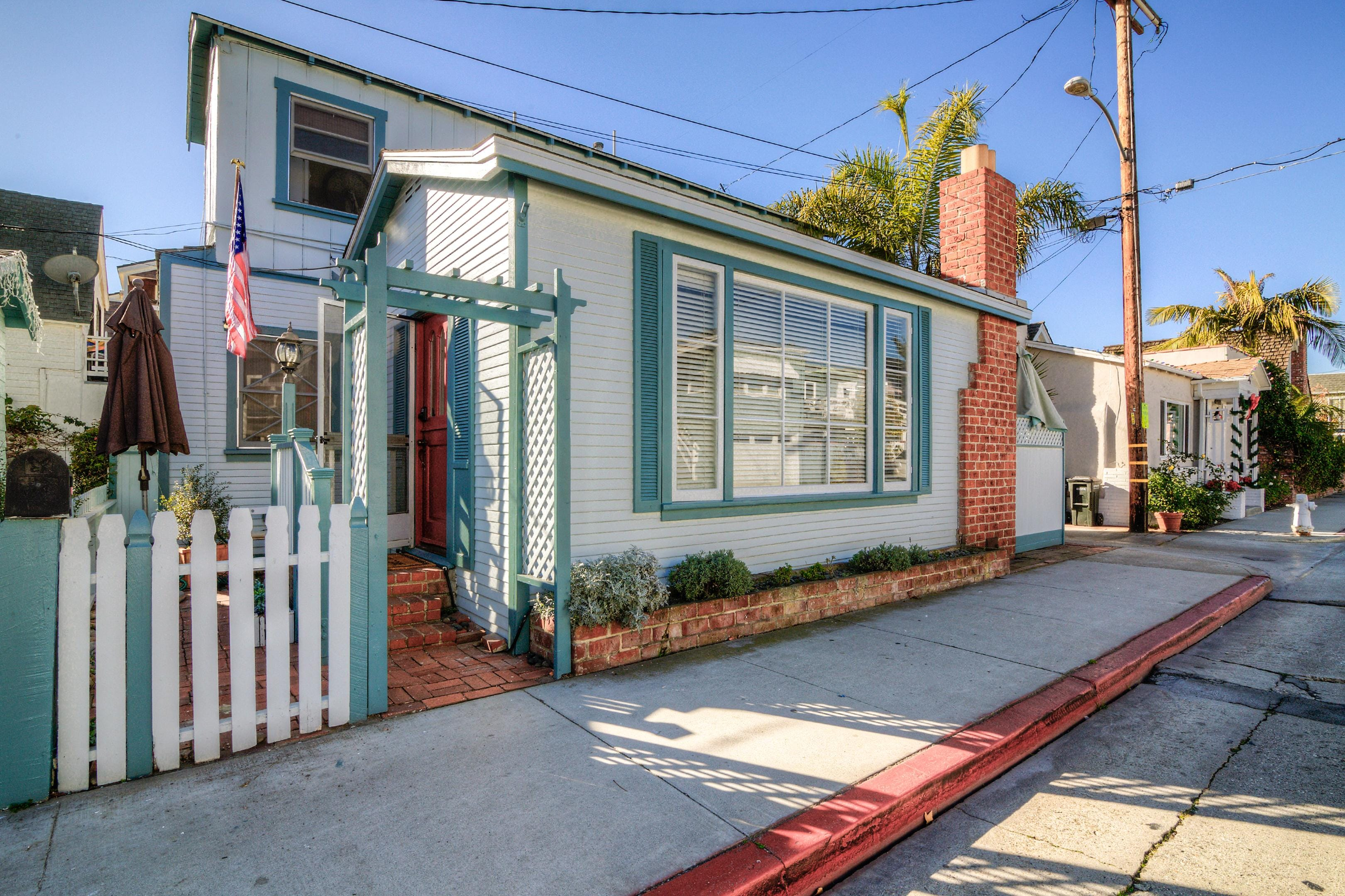 This charming home is located in the heart of Balboa Island.