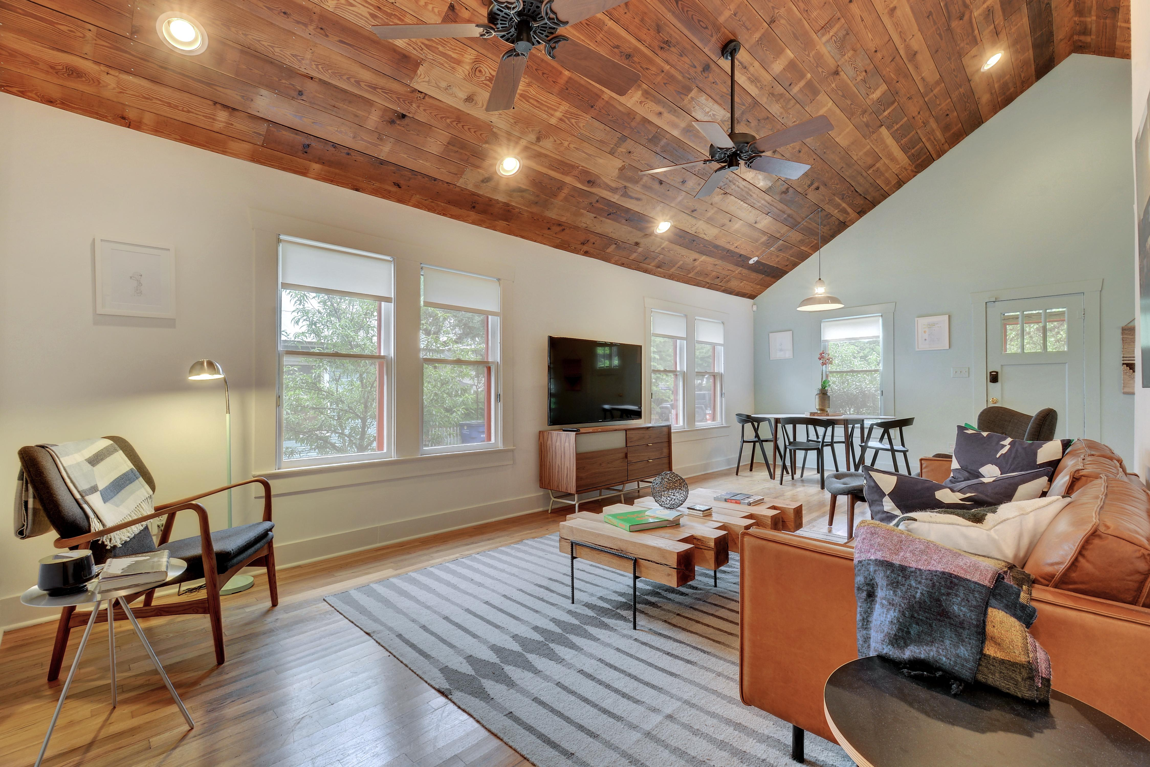 Welcome to Austin! This house is professionally managed by TurnKey Vacation Rentals.