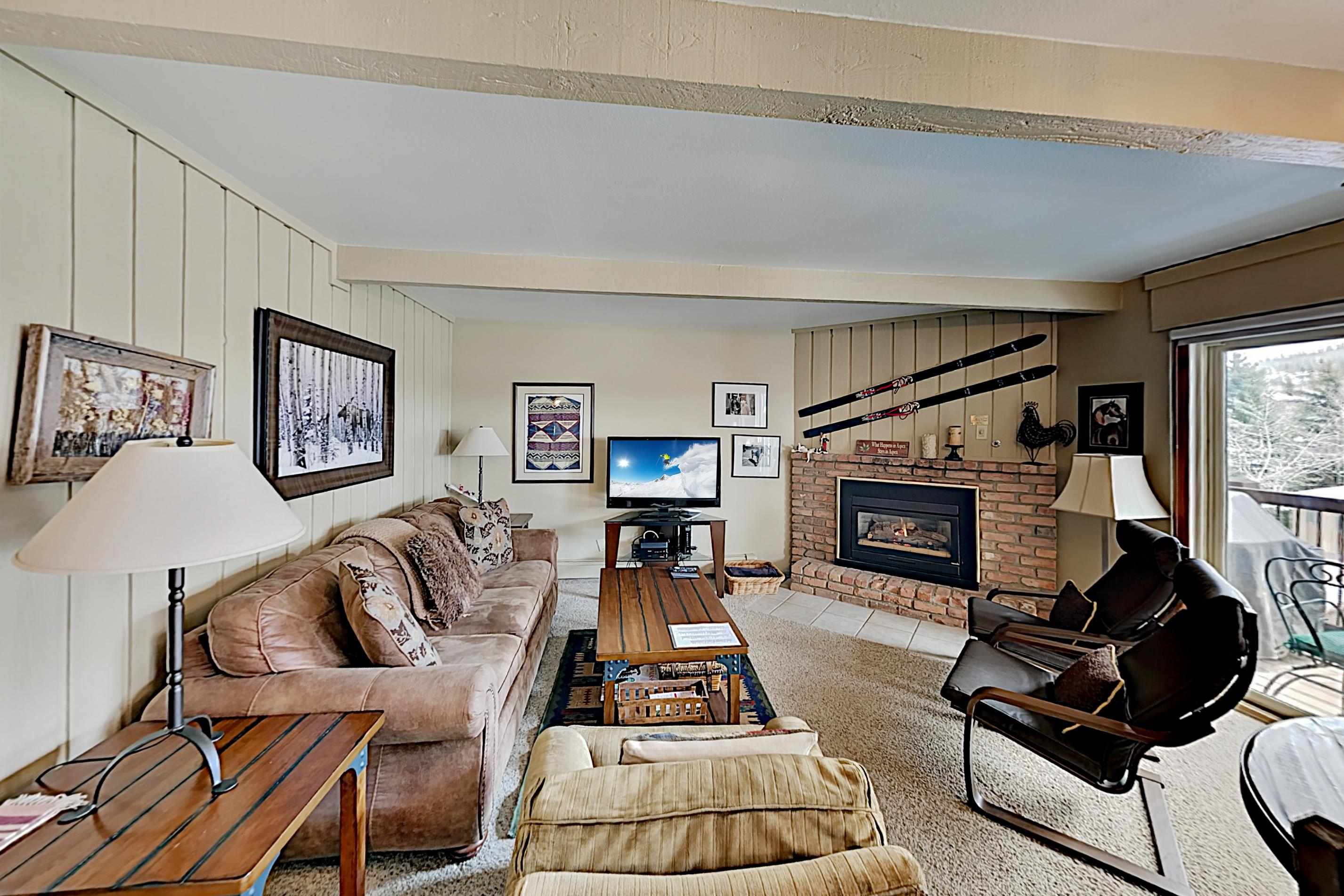 Inviting Snowmass Village Ski Lodge