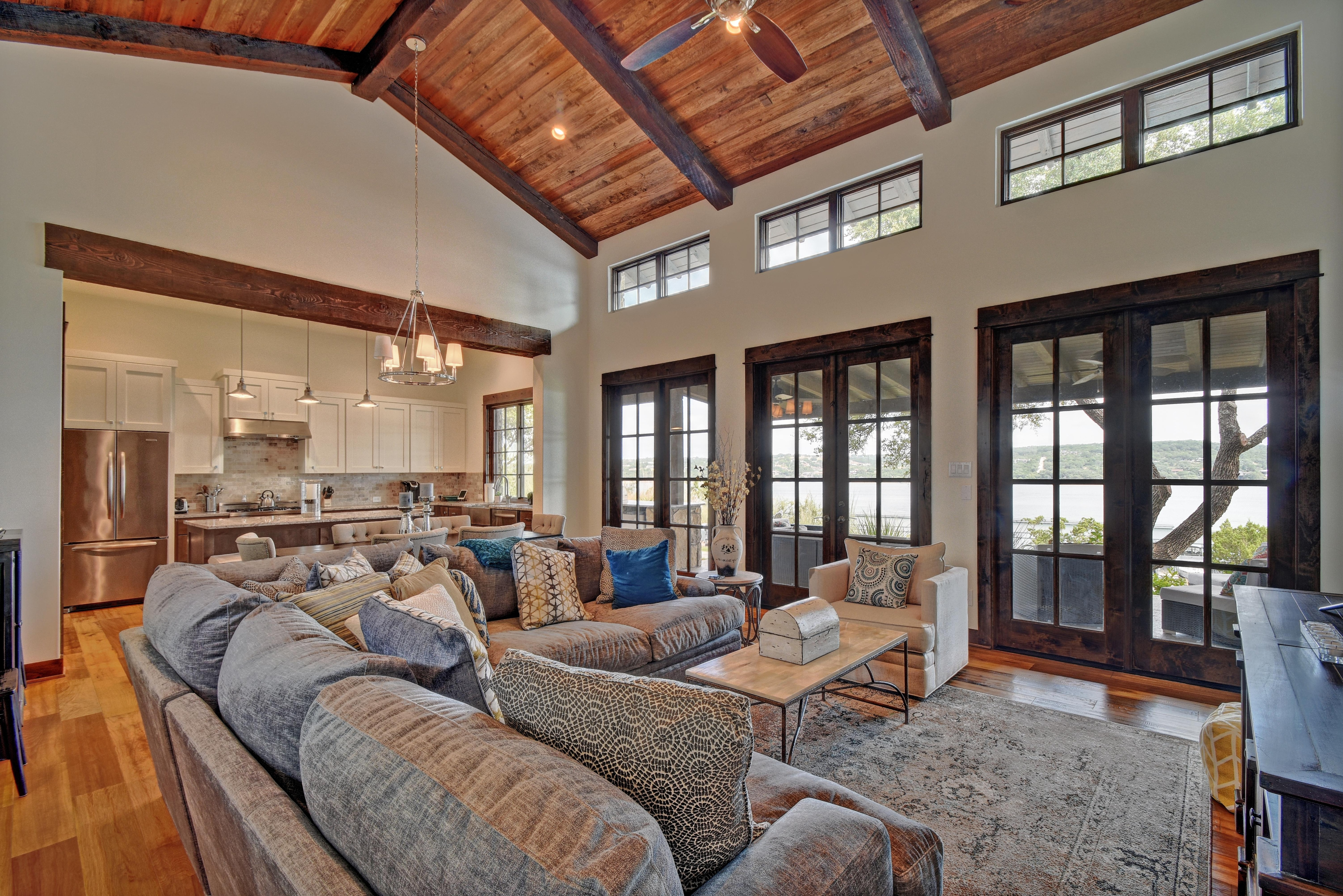 Large windows let in Lake Travis views.