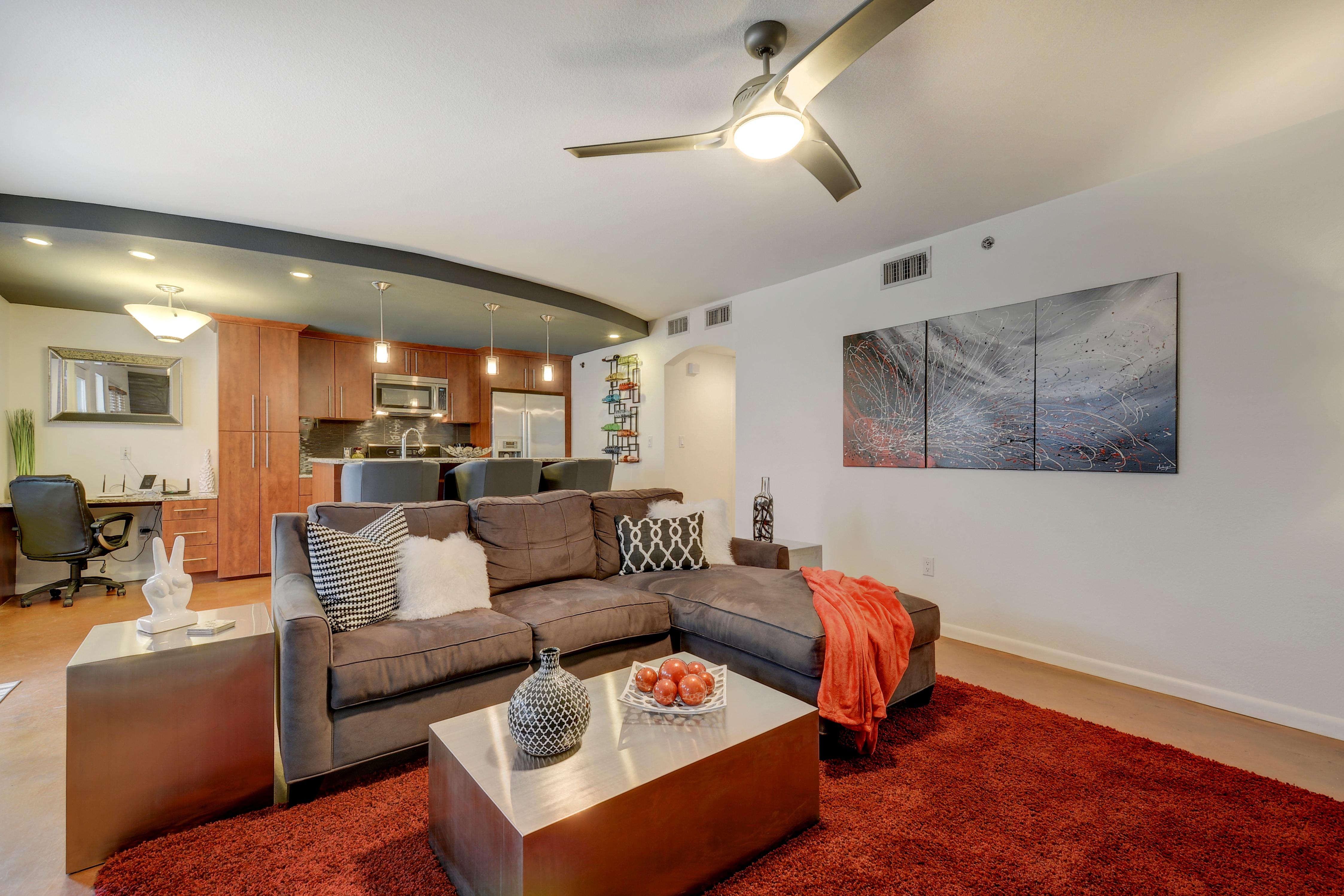 Welcome to Austin! This condo is professionally managed by Turnkey Vacation Rentals.