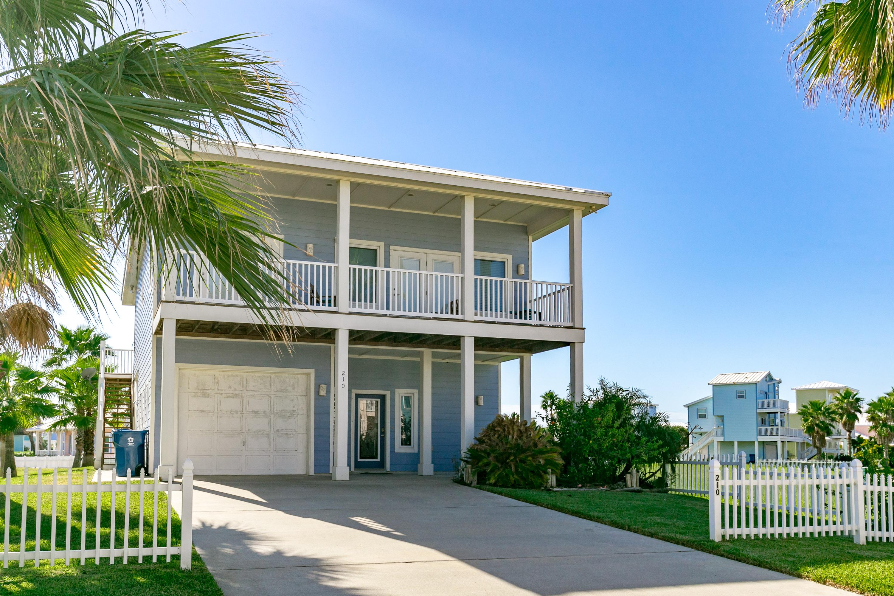 Welcome to Port-A! Your rental is professionally managed by TurnKey Vacation Rentals.Royal Sands is a gulf-front haven for water lovers!