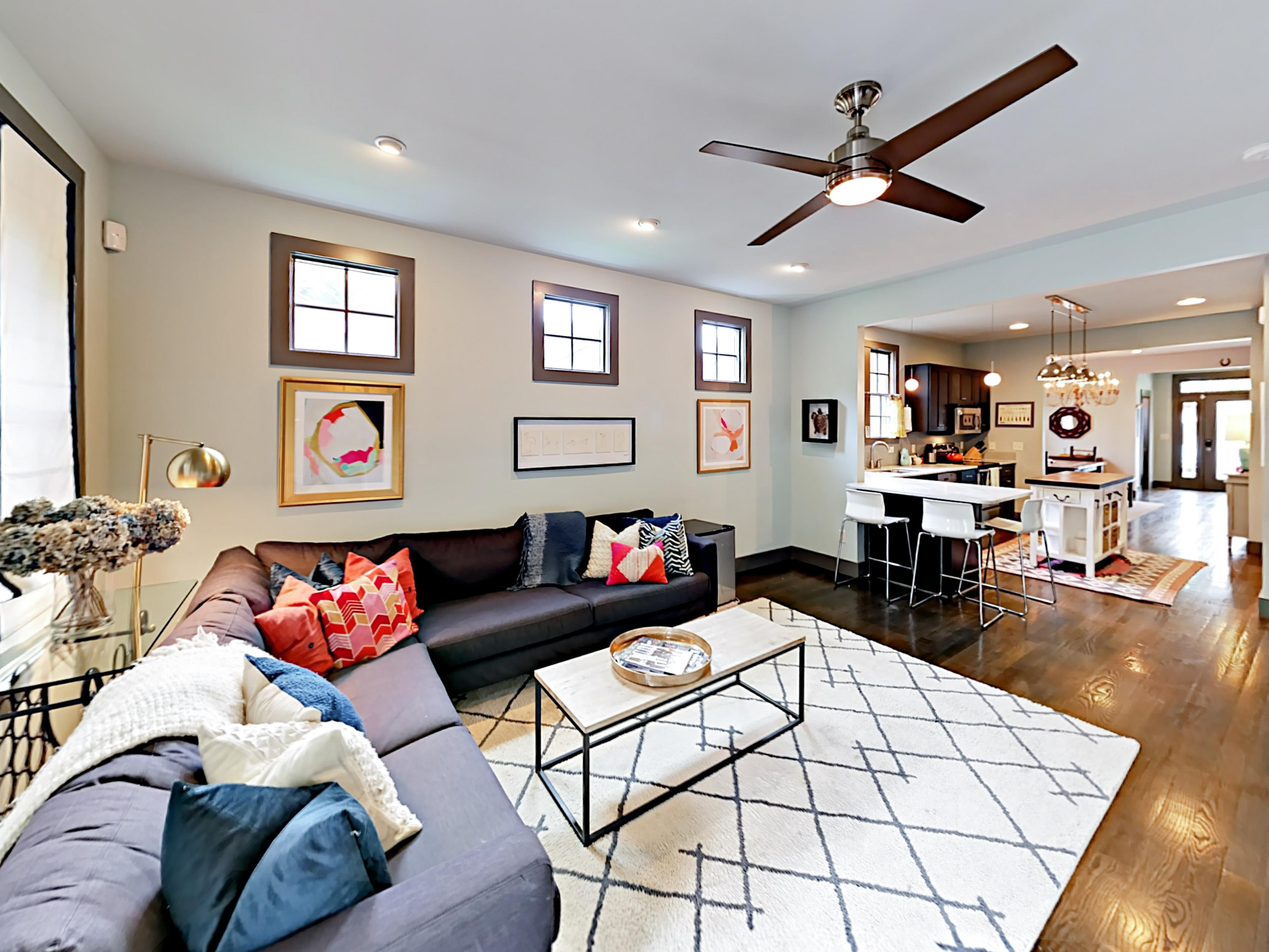 This welcoming 3BR, 2.5BA duplex sleeps 6.