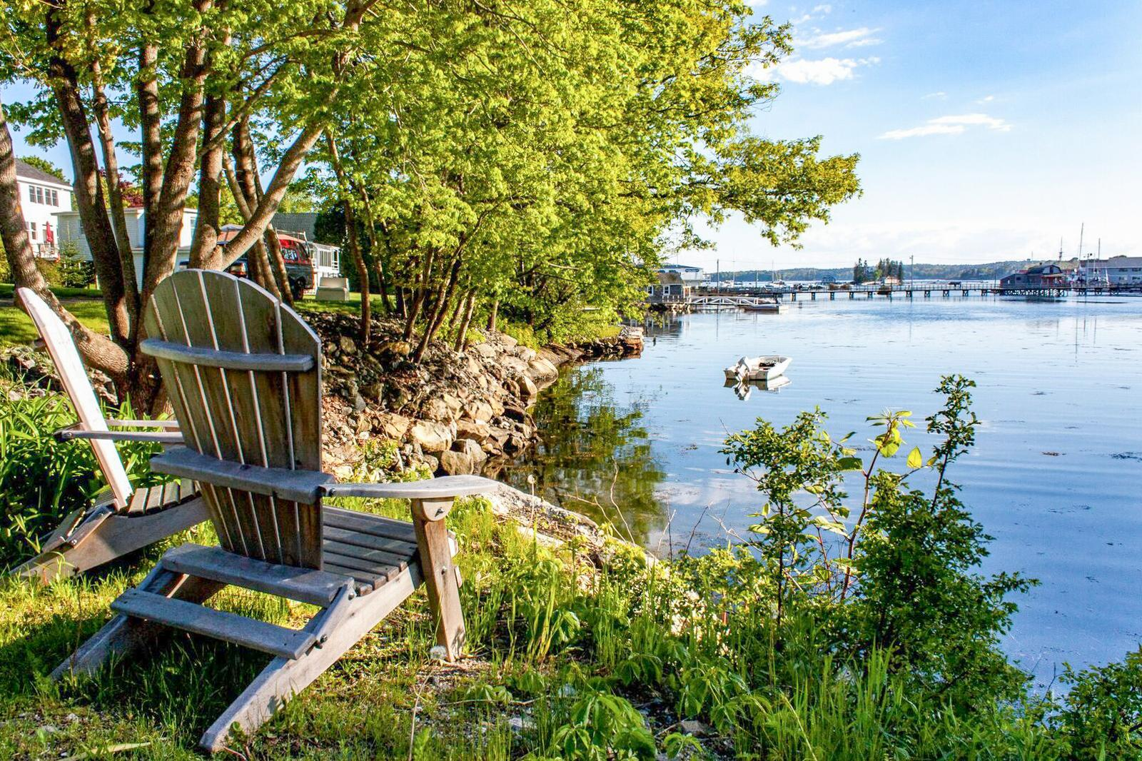 Welcome to Boothbay Harbor! Have your morning coffee and enjoy the views of Snug Harbor.