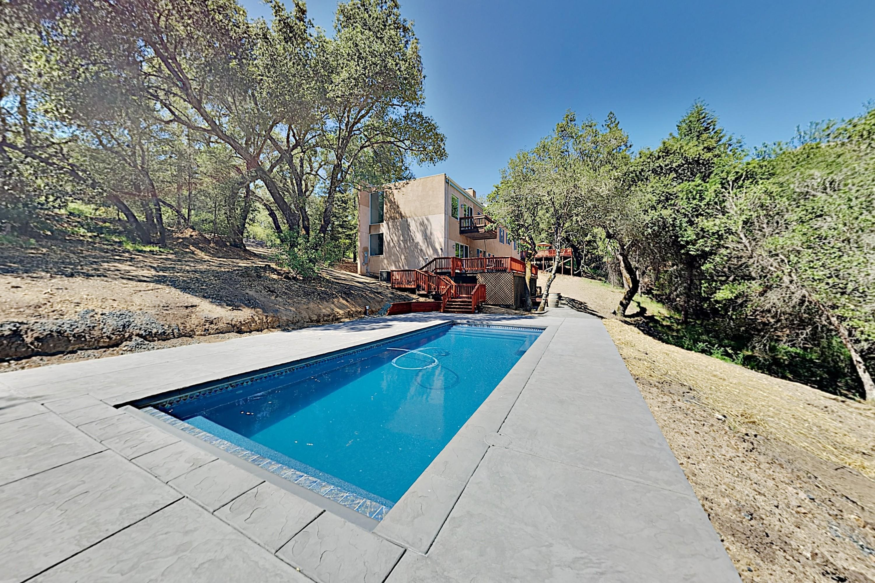 Property Image 2 - Modern Wine Country Home with Pool and Hot Tub