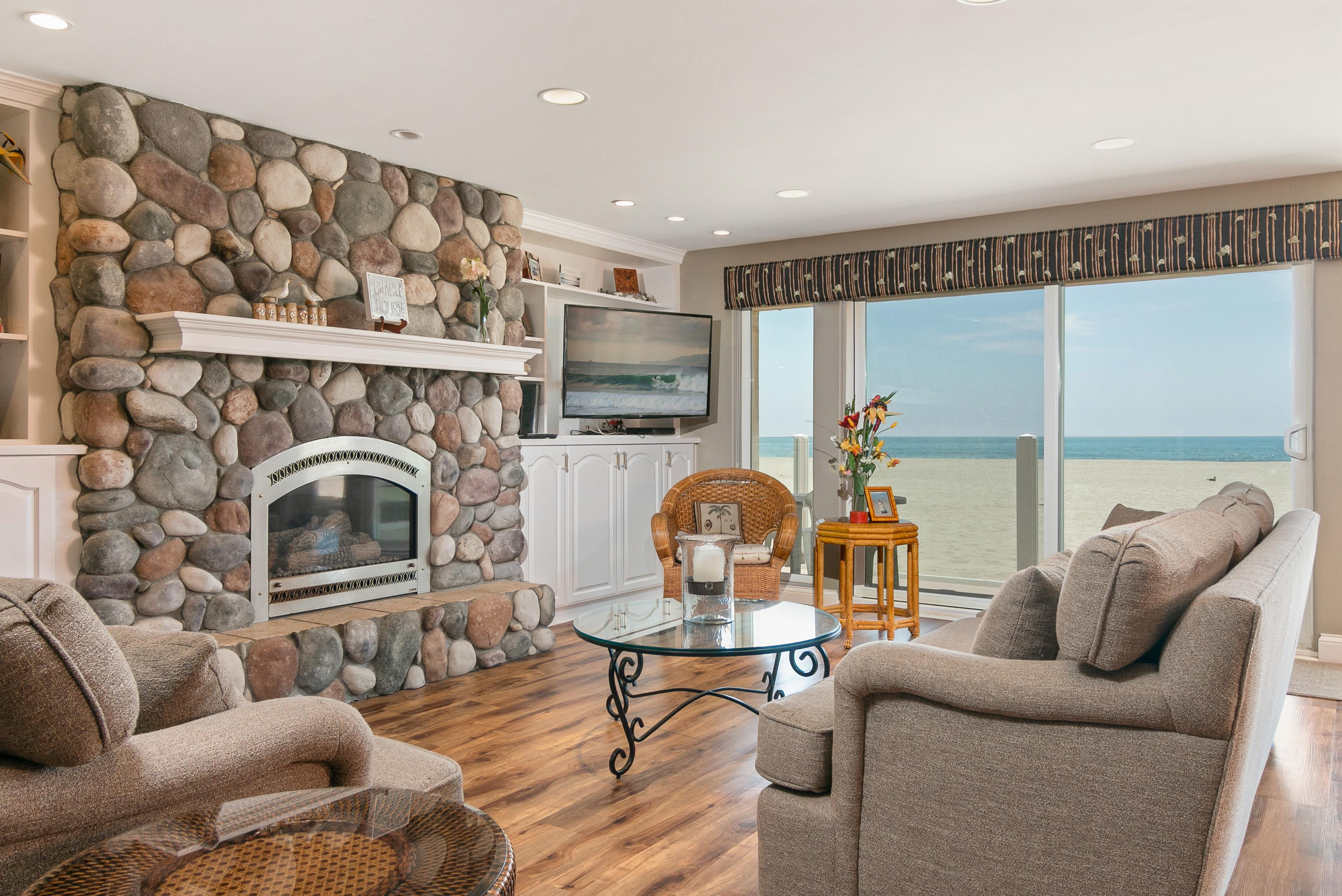 Property Image 1 - Oceanfront Silver Strand Retreat with Scenic Balconies