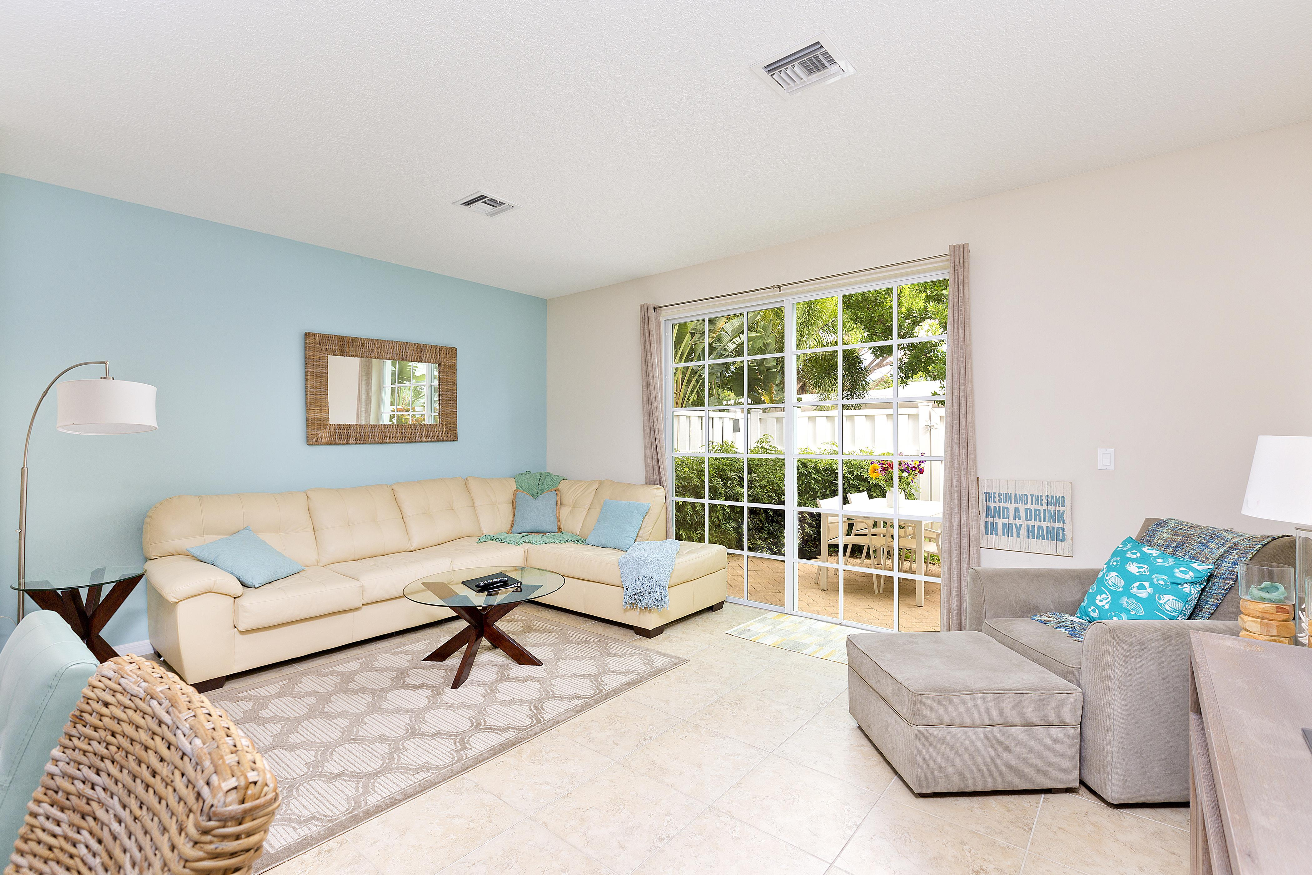 Property Image 0 - Endearing Townhouse with Communal Pool And Hot Tub