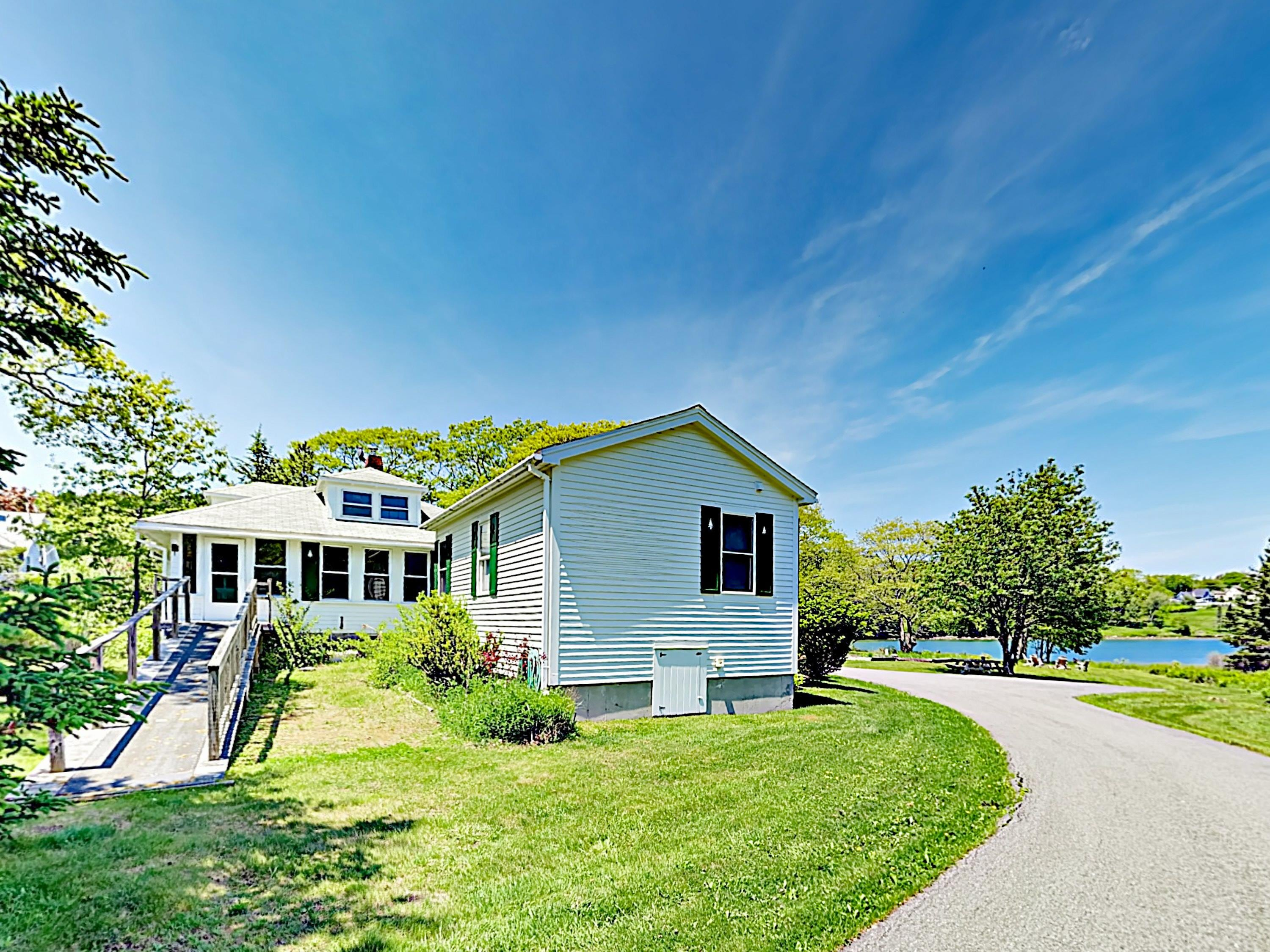 Plan a relaxing seaside escape to this 3BR/2BA waterfront home in East Boothbay.