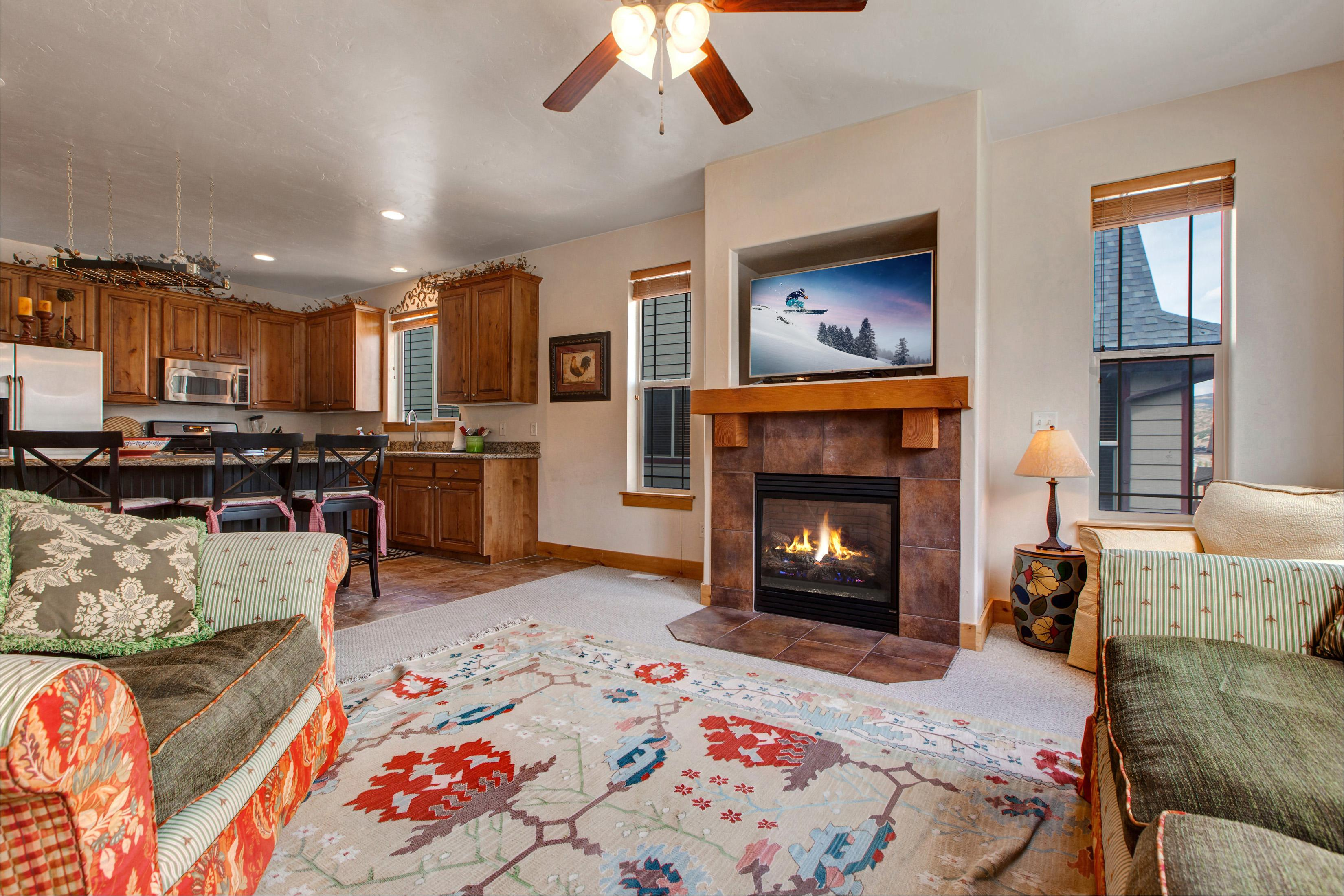 Welcome to Park City! Watch a movie on the flat screen TV, and enjoy complimentary Wi-Fi.