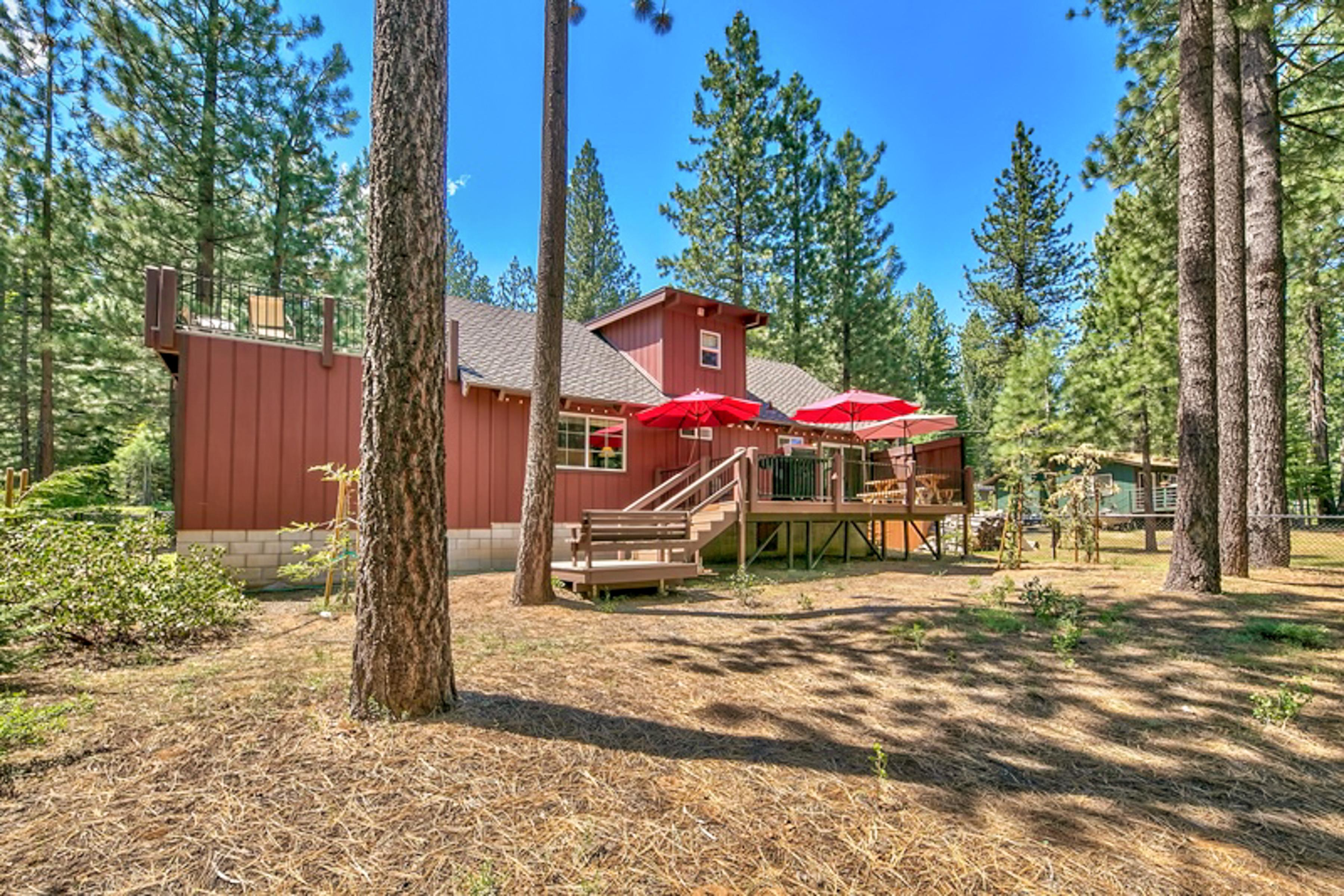 This home is located between the 3 local ski resorts: Kirkwood, Heavenly, and Sierra at Tahoe.