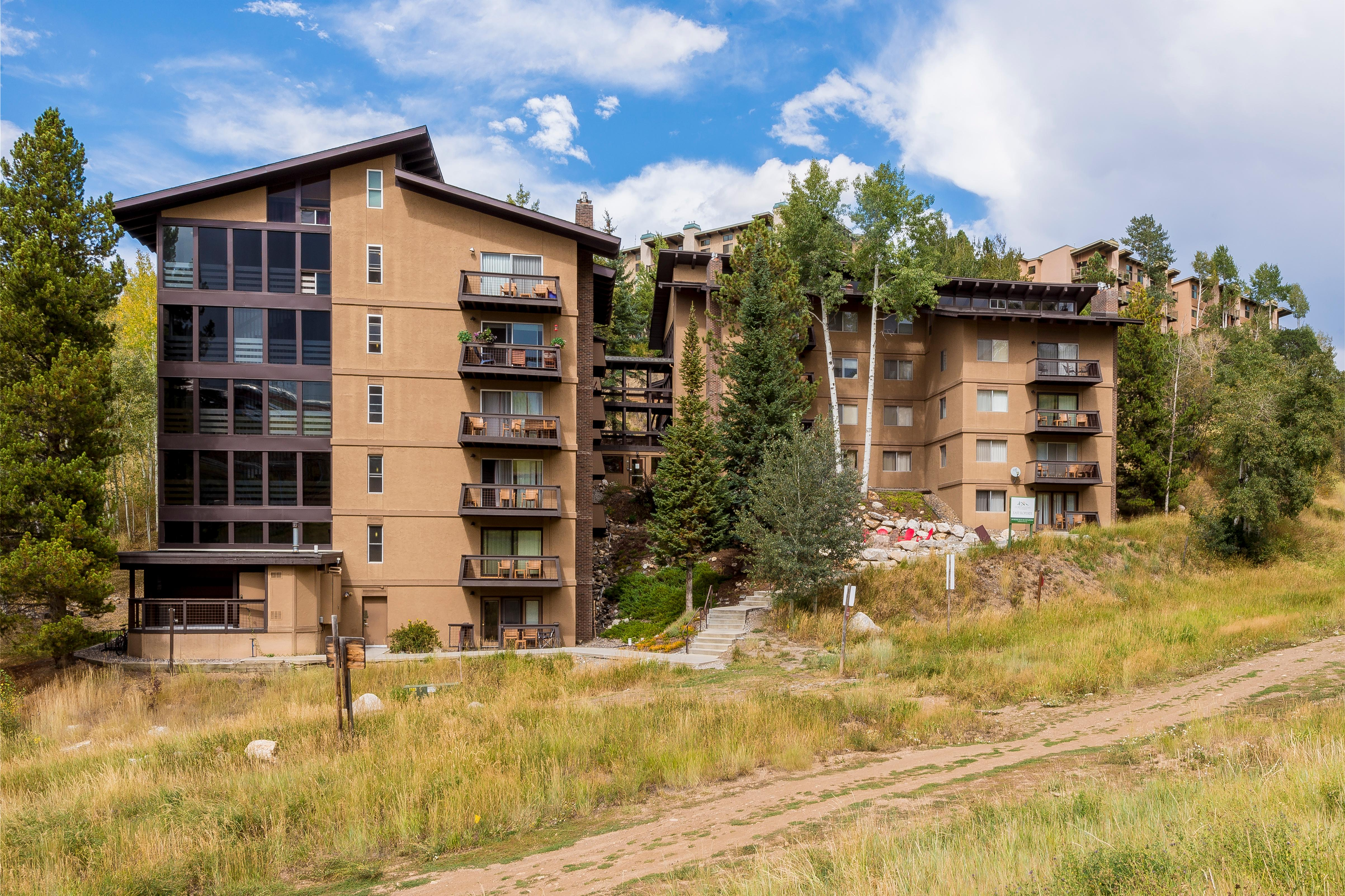 Remodeled Ski-In/Ski-Out 1BR Condo