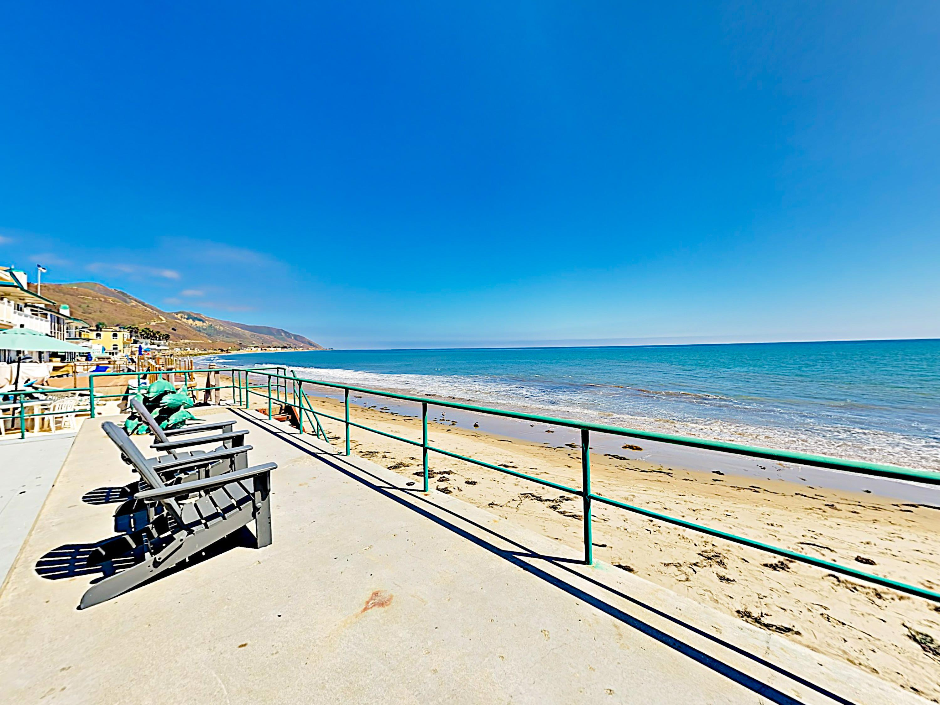 Stylish 4BR/4BA Beachfront w/ Channel Islands View