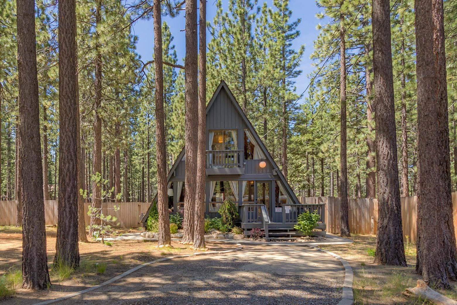 Spectacular A-Frame Cottage with Private Hot Tub