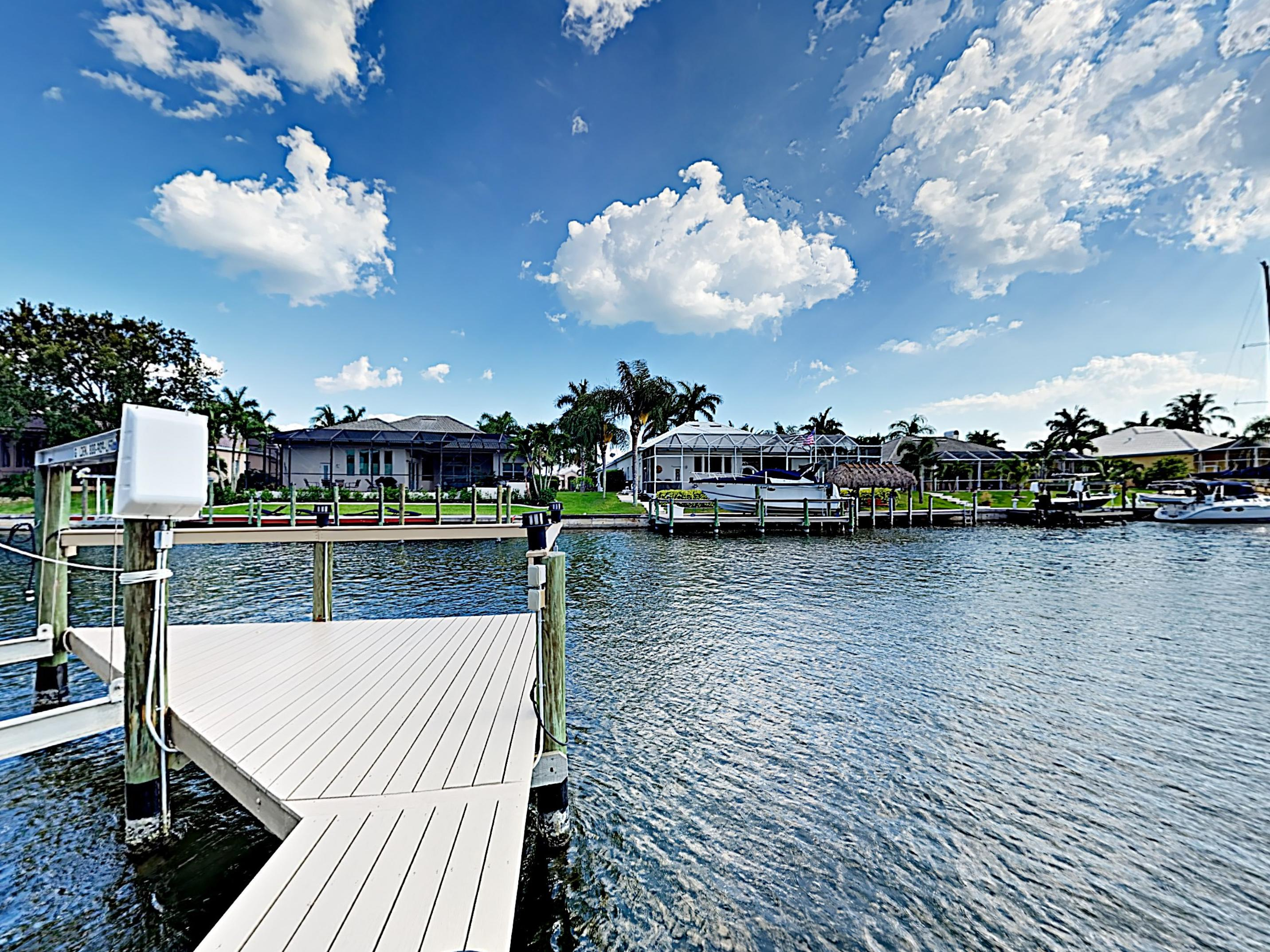 This prime location is convenient for water activities like boating, fishing, and paddle boarding.