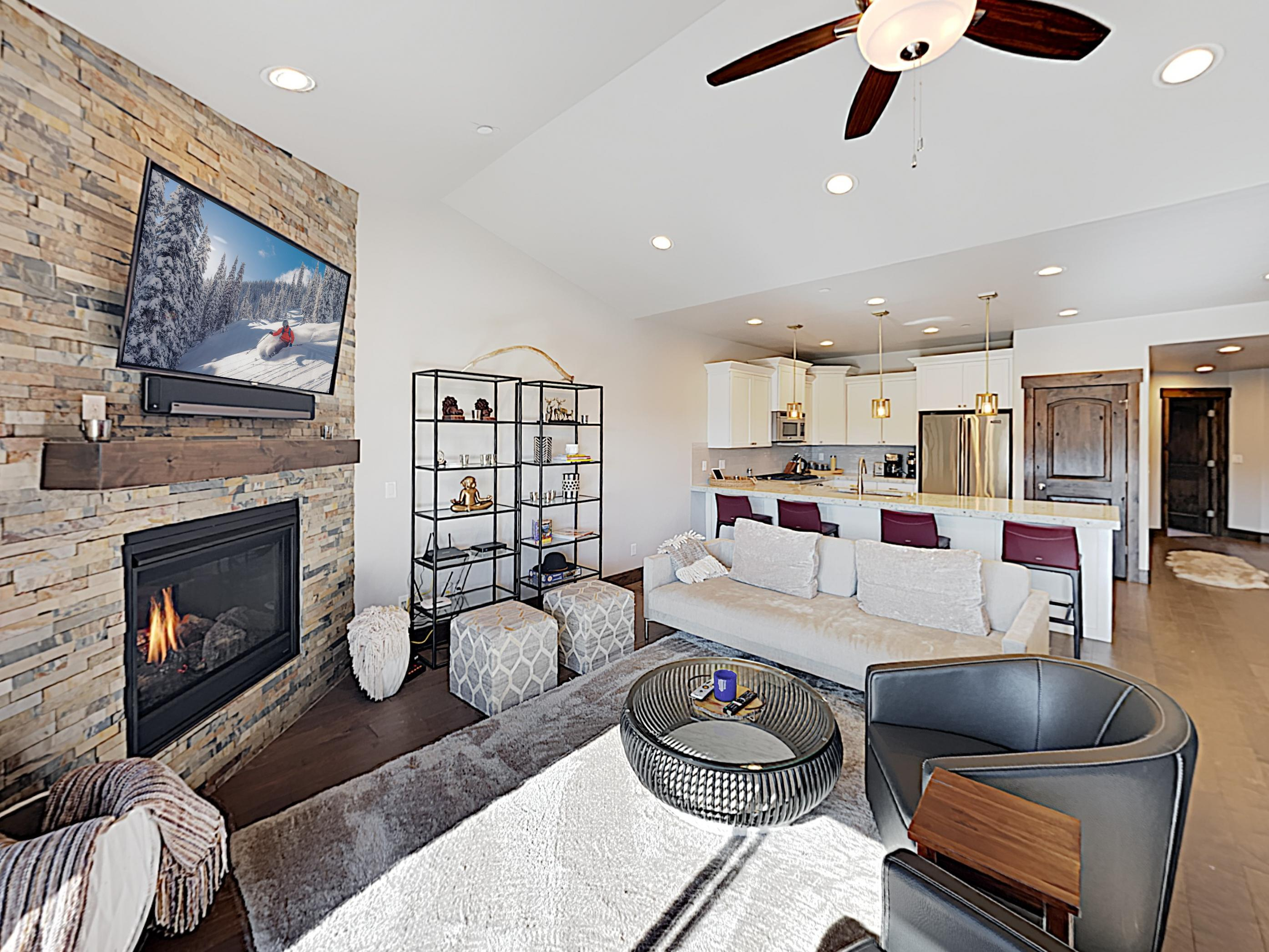 Property Image 1 - Stylish Corner Townhome Featuring Inviting Mountain Views