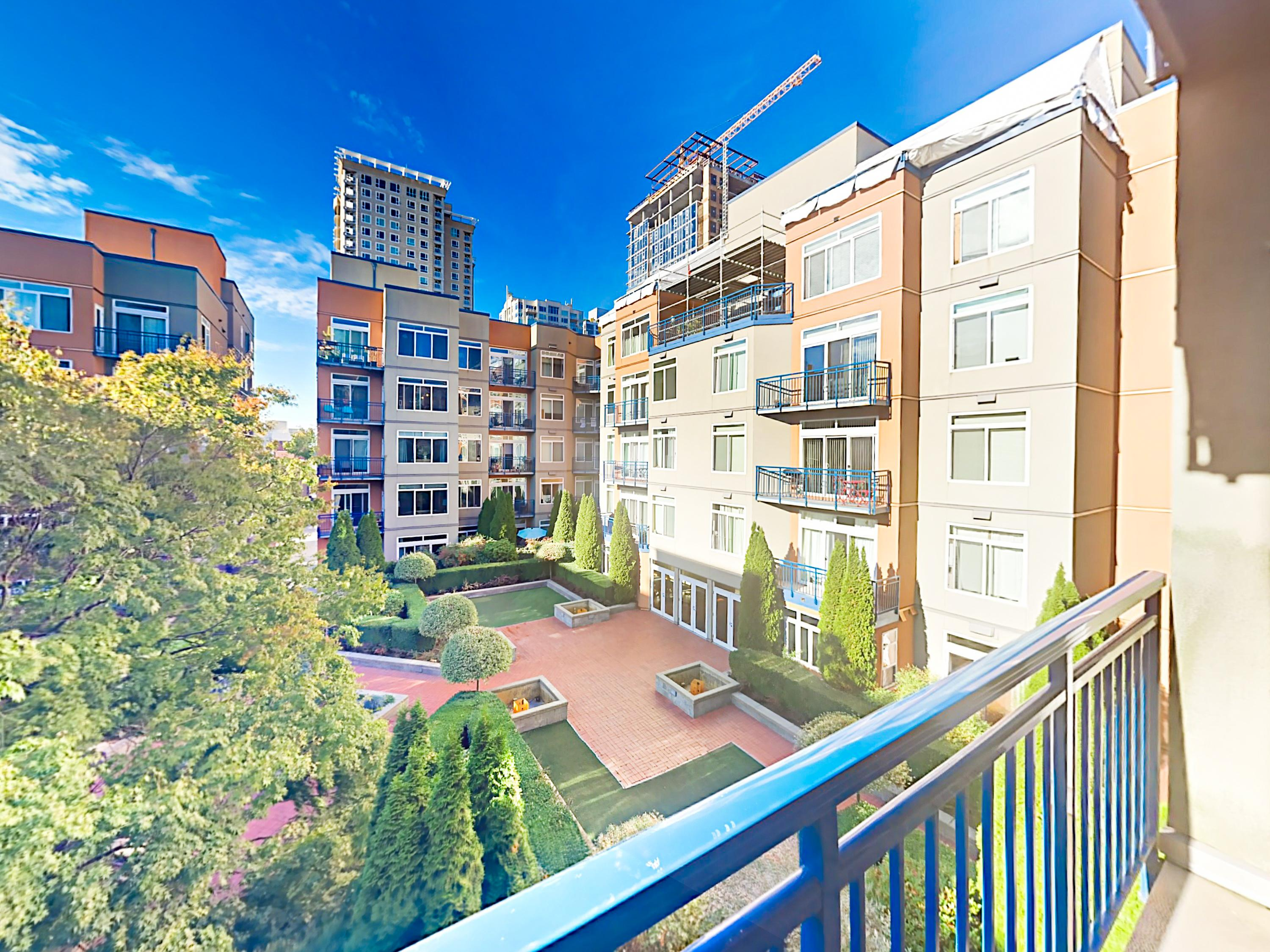 Property Image 1 - Belltown 2BR w/ Upscale Amenities