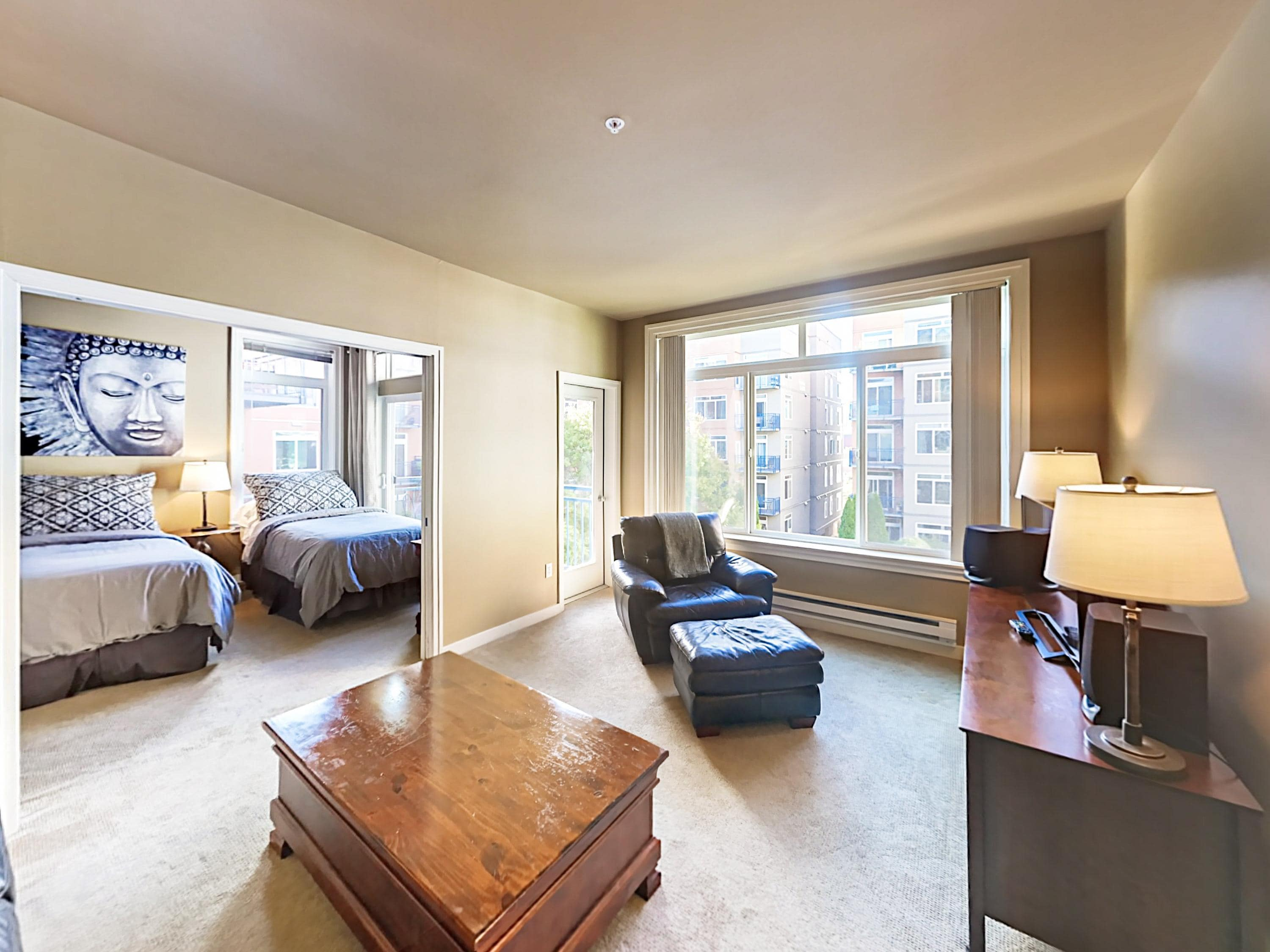 Property Image 2 - Belltown 2BR w/ Upscale Amenities