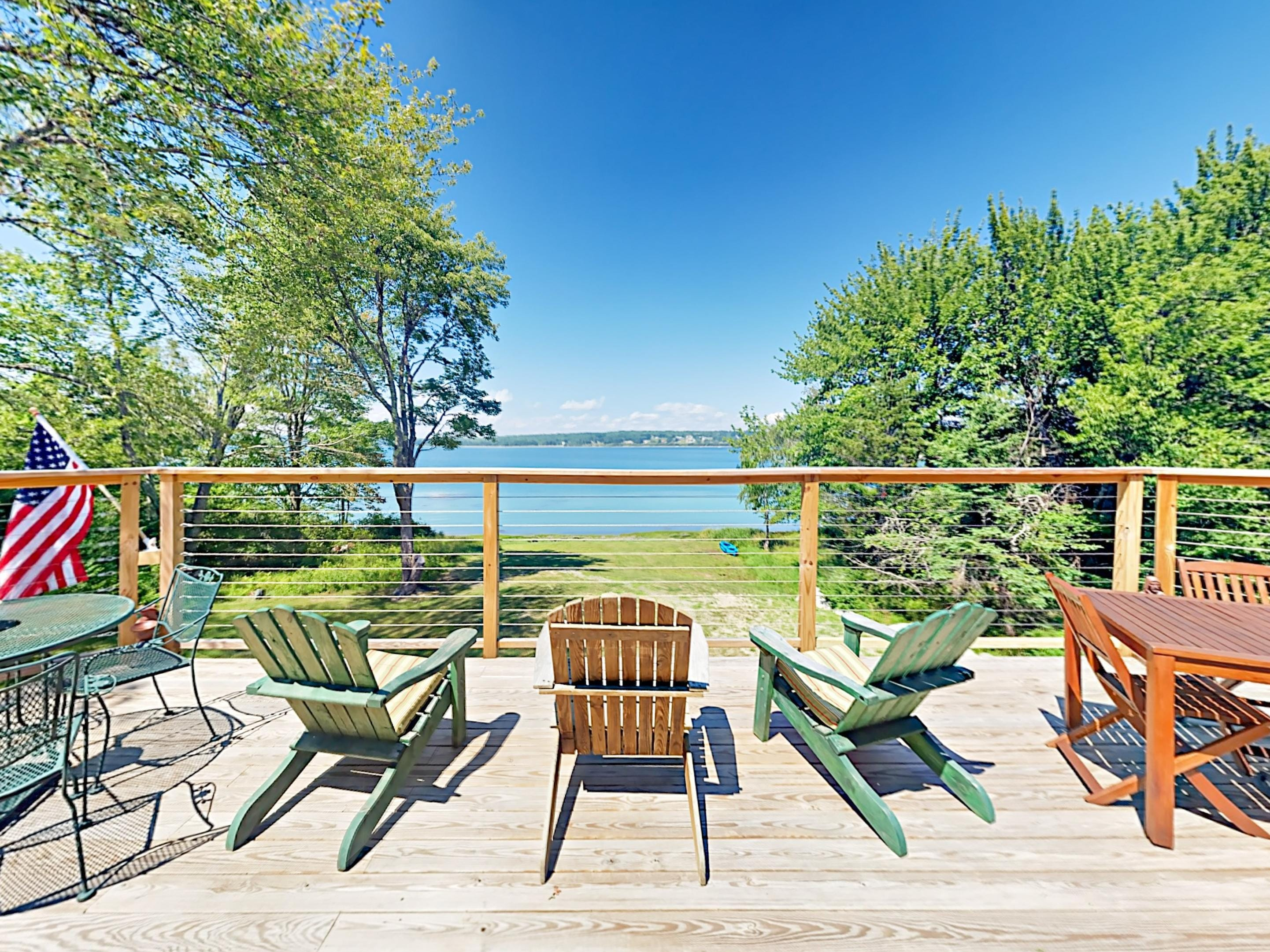 Property Image 1 - Upscale Bayfront Cottage with Expansive Deck and Bikes