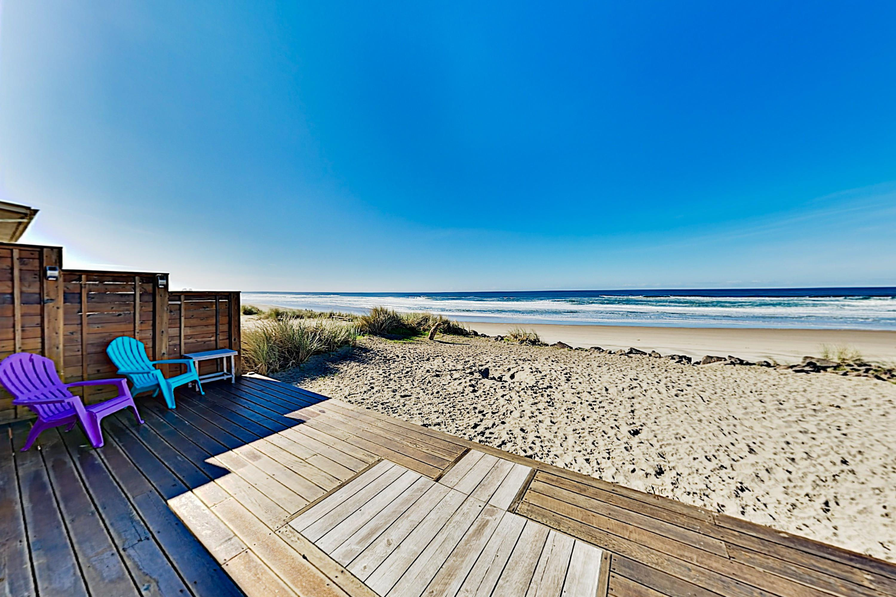Rockin' Away Beach House with Ocean-Front Locale
