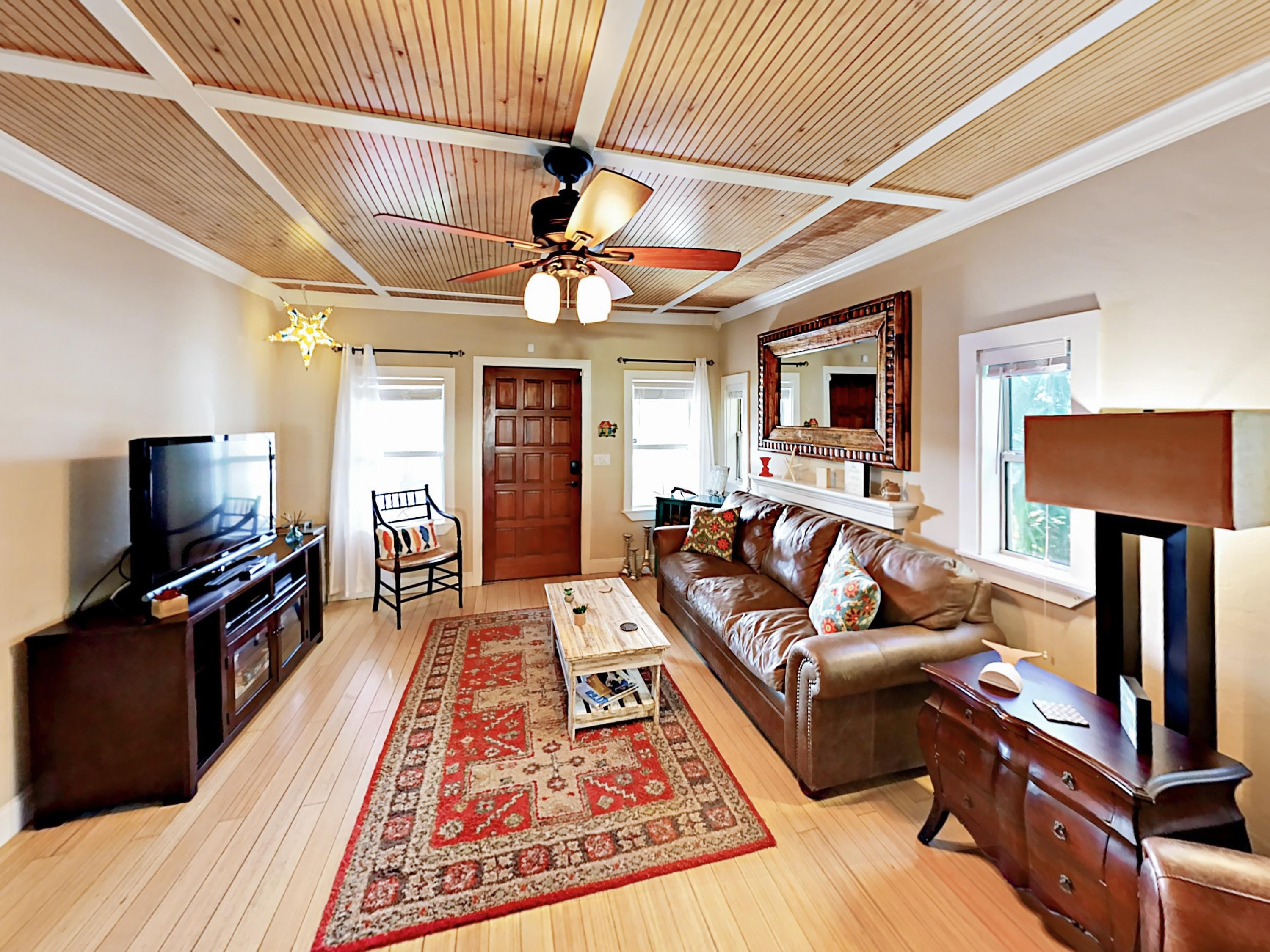 Beautifully Restored 1920's Bungalow, Near Beach