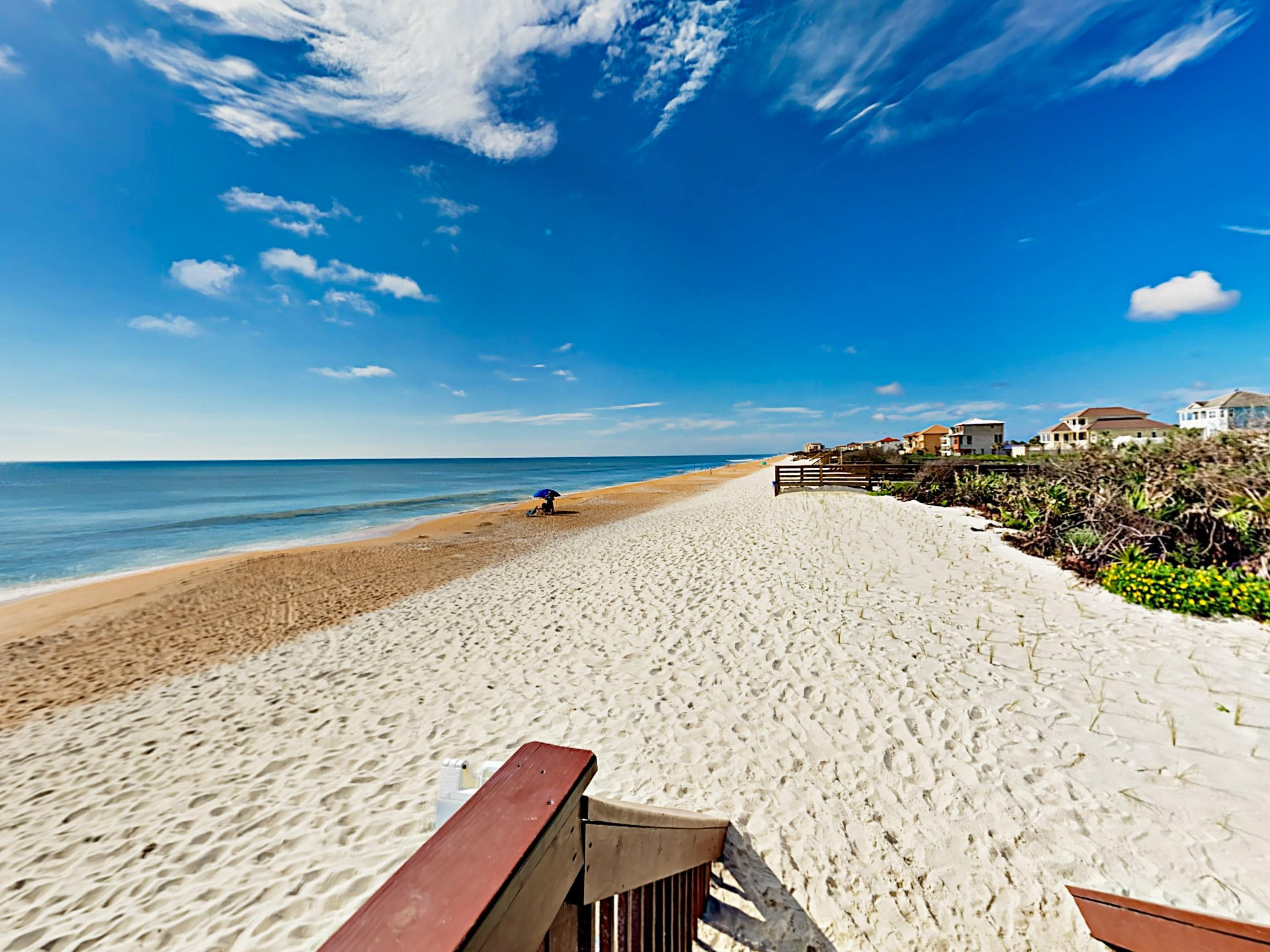 Steps to Beach - 3BR w/ Ocean Views