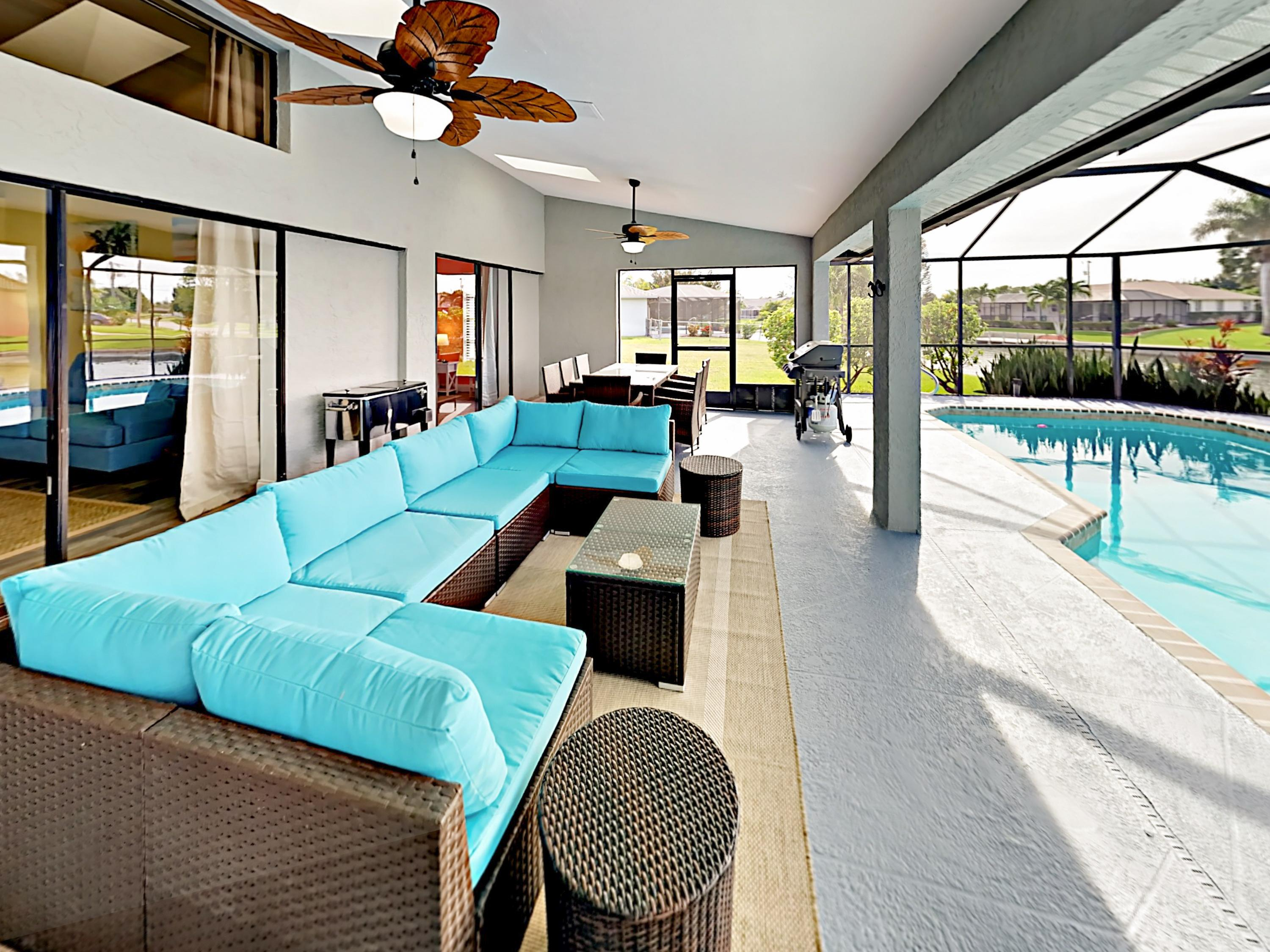 Lounge on the sectional for 6 by the pool.