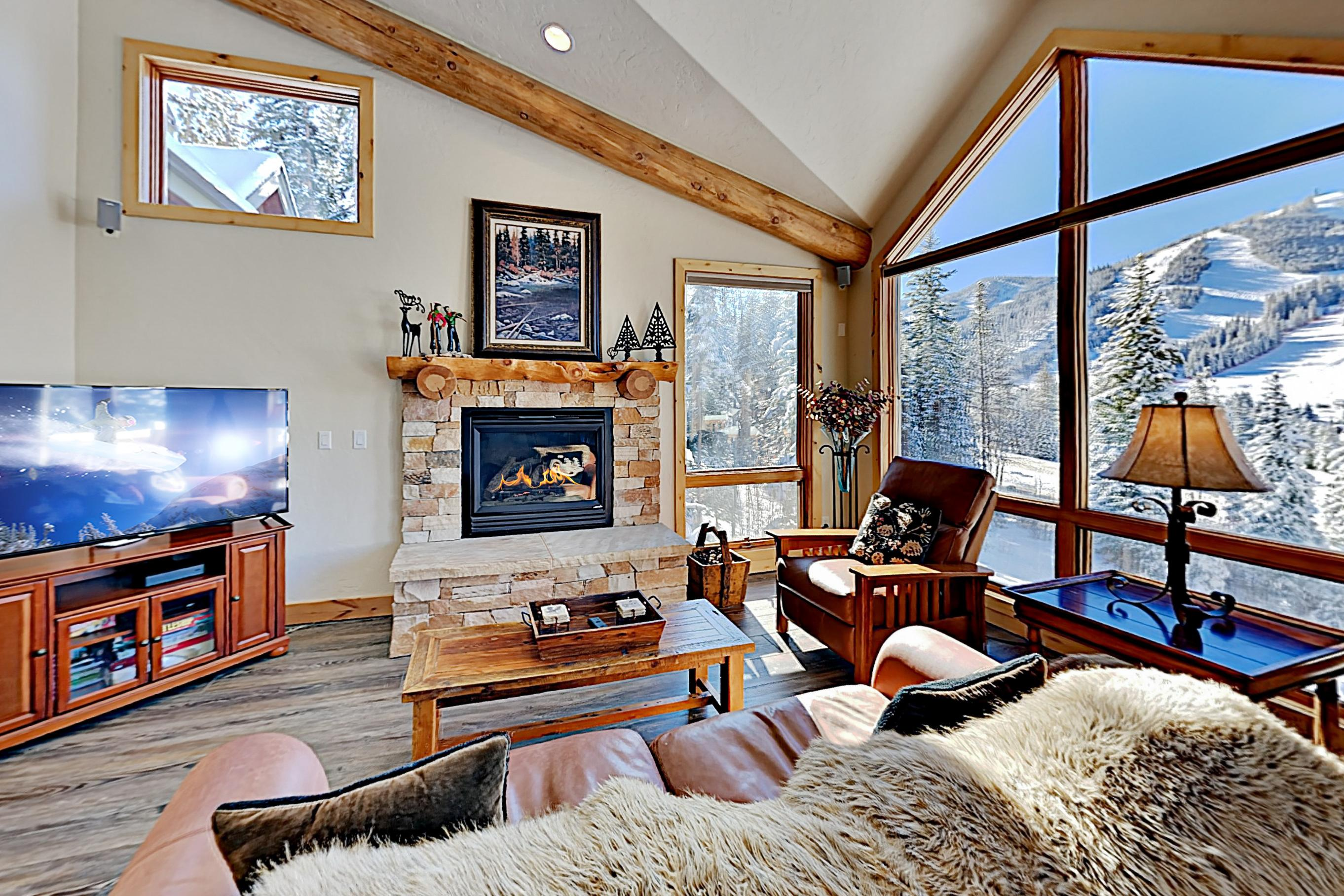 Property Image 1 - Mountain-Chic Townhome with Hot Tub near Resort Base