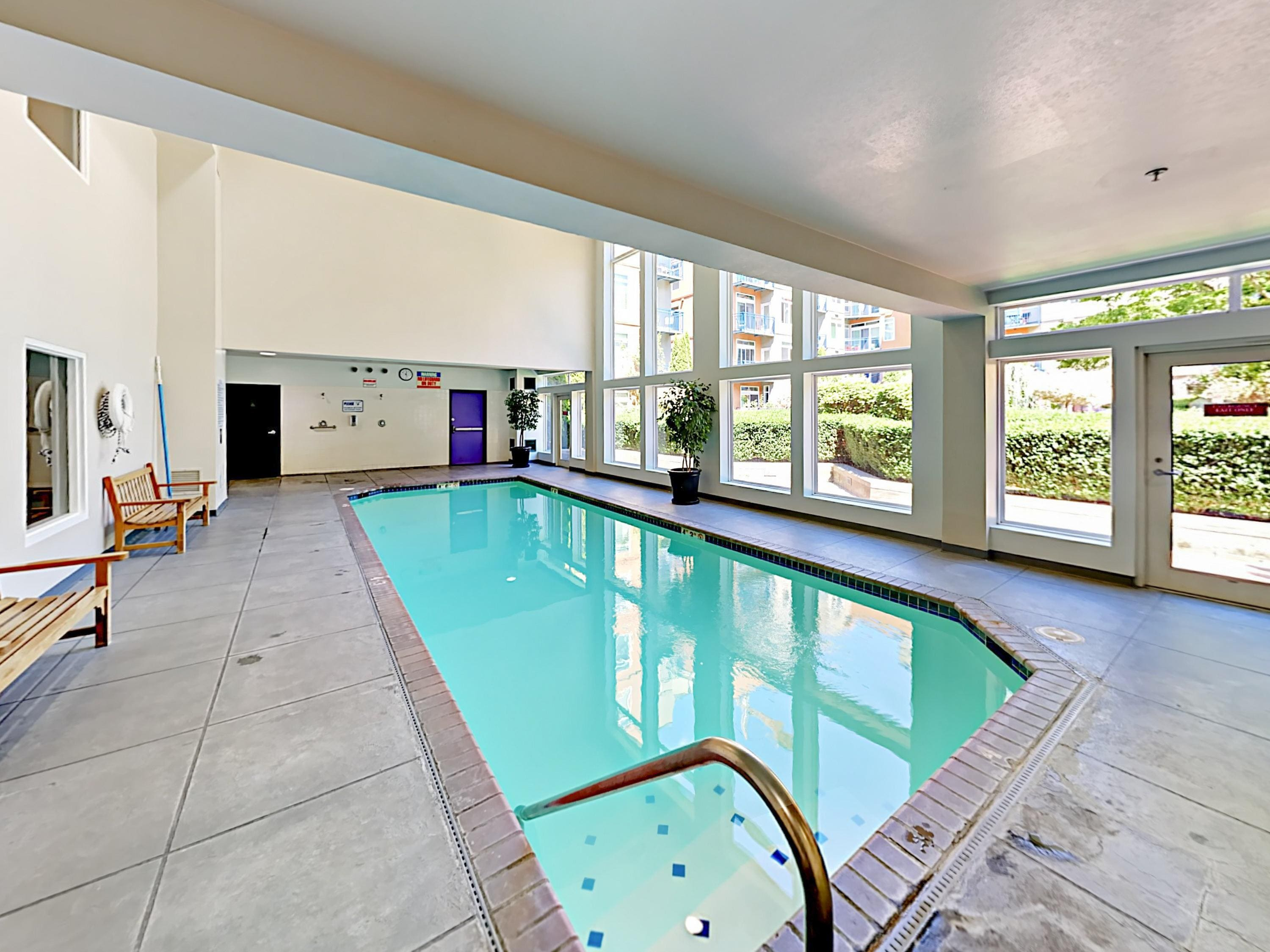Modern 1BR Condo w/ Pool, Spa & Rooftop Deck