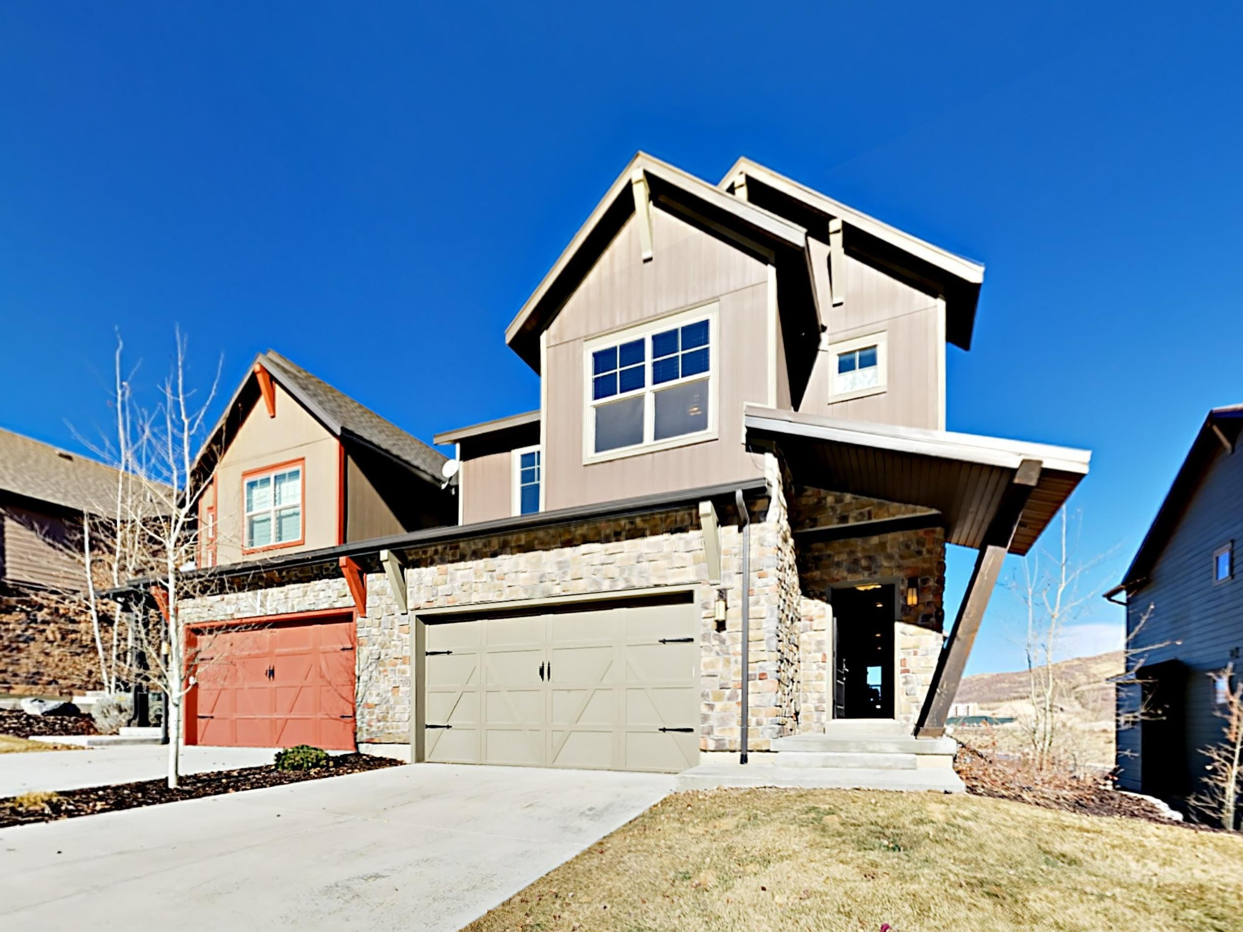 This refined townhome is within 13 minutes of Deer Valley and Park City Mountain resorts.