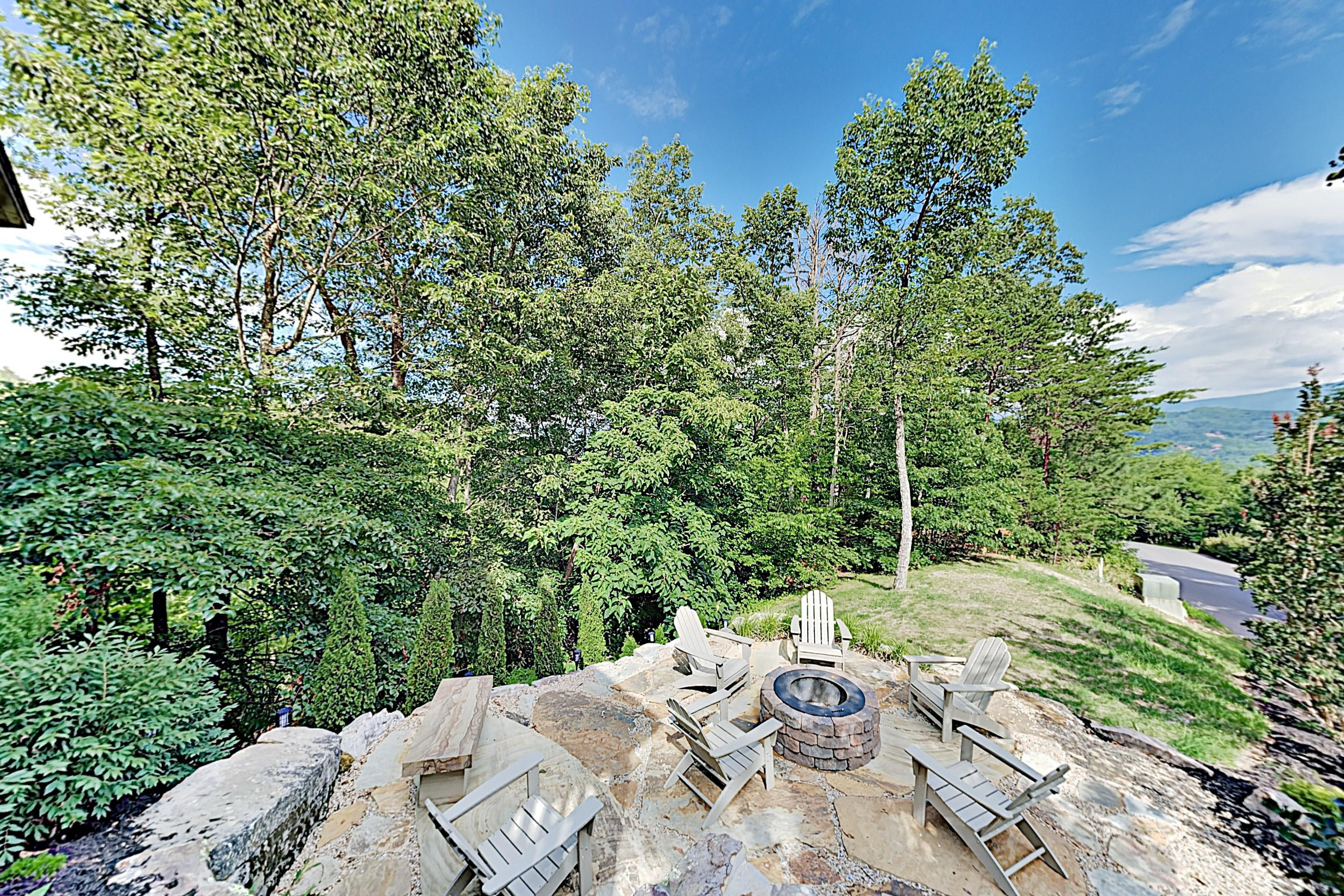 Property Image 2 - Blissful Getaway with Hot Tub and Smoky Mountain Views