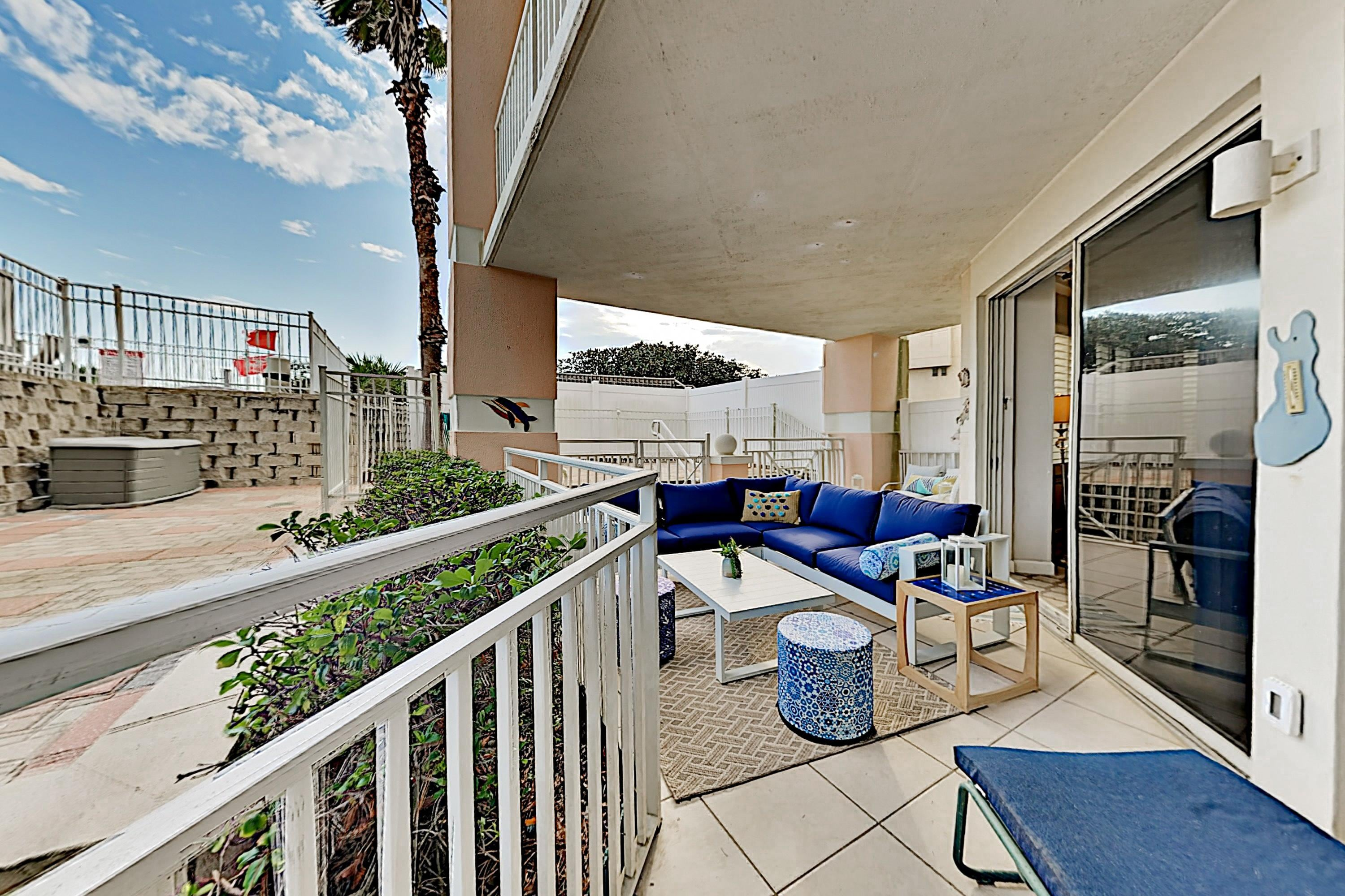 Beautiful Blue Mountain Beach Condo with Beach Access