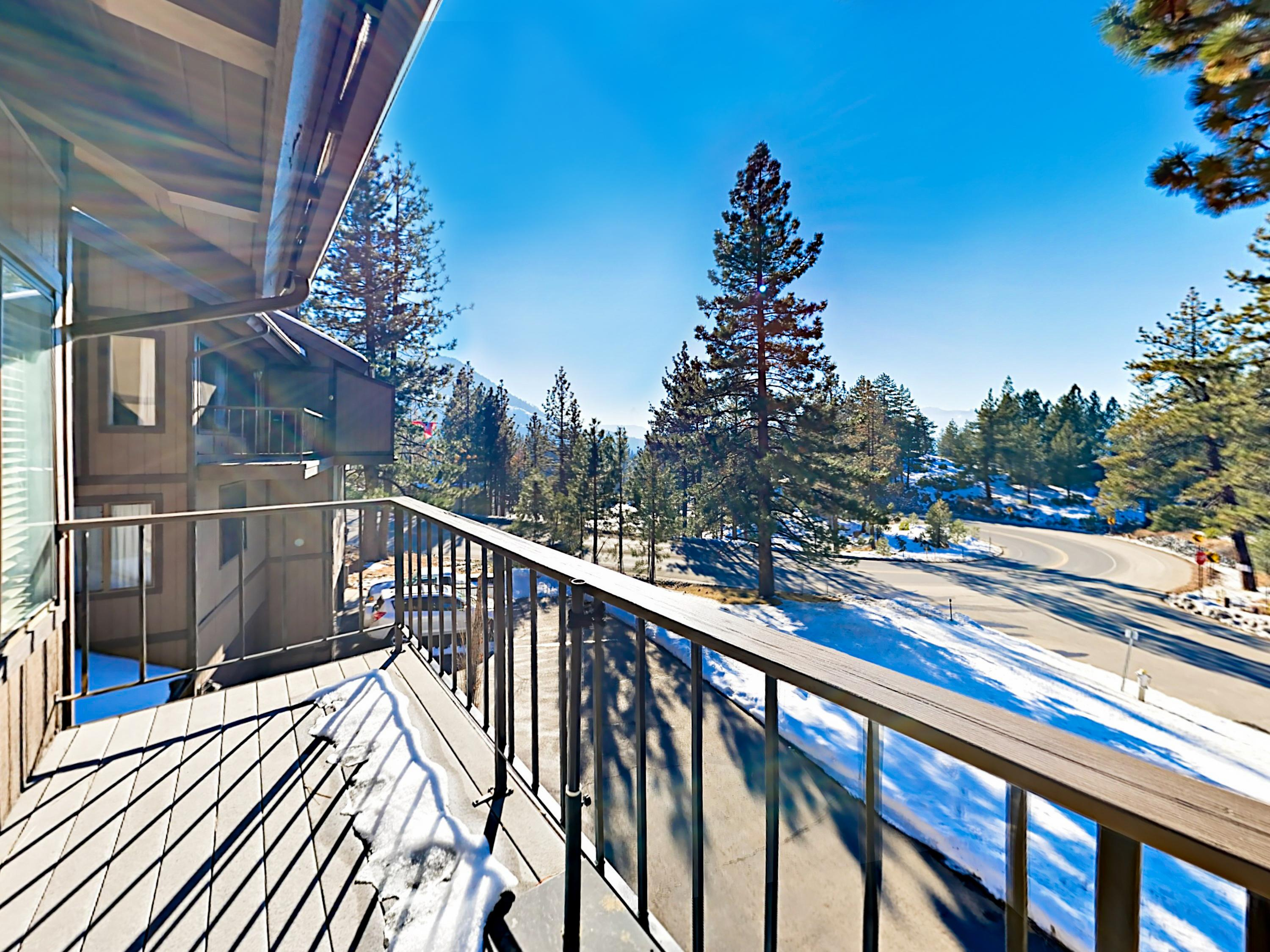 Warm Kingsbury Apartment near Beaches and Ski Resorts