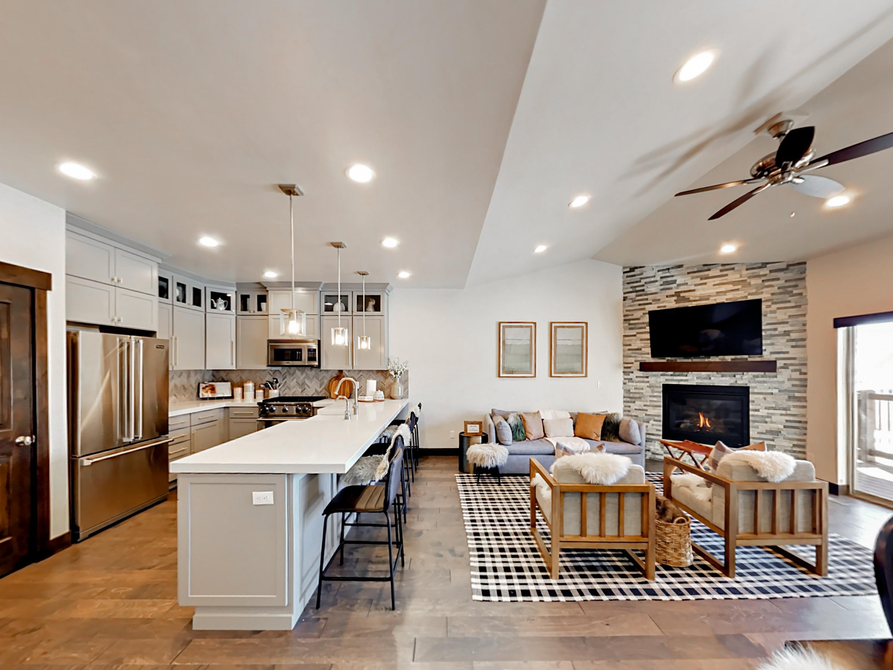 Property Image 1 - Warm and Inviting Townhome Featuring Mountain-modern Decor