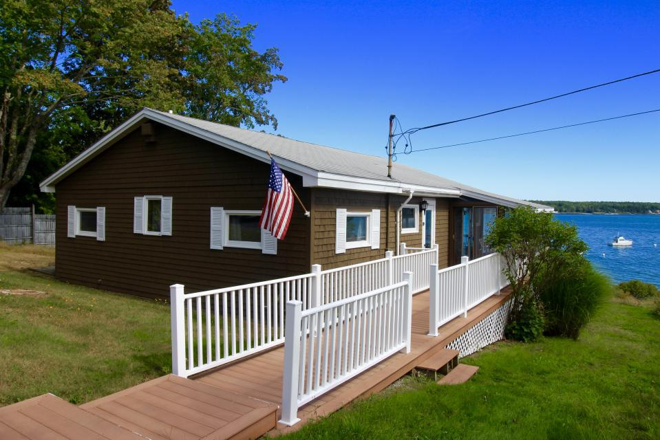 Welcome to Lorimer Shores! This property is professionally managed by TurnKey Vacation Rentals.