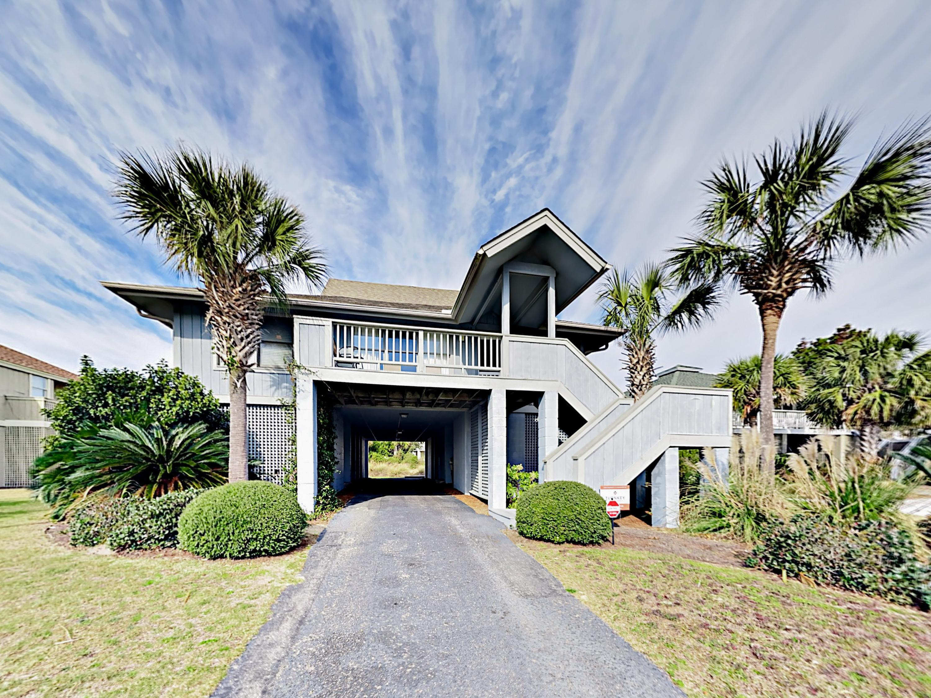 Isle of Palms Beach House w/ Pool & Tennis