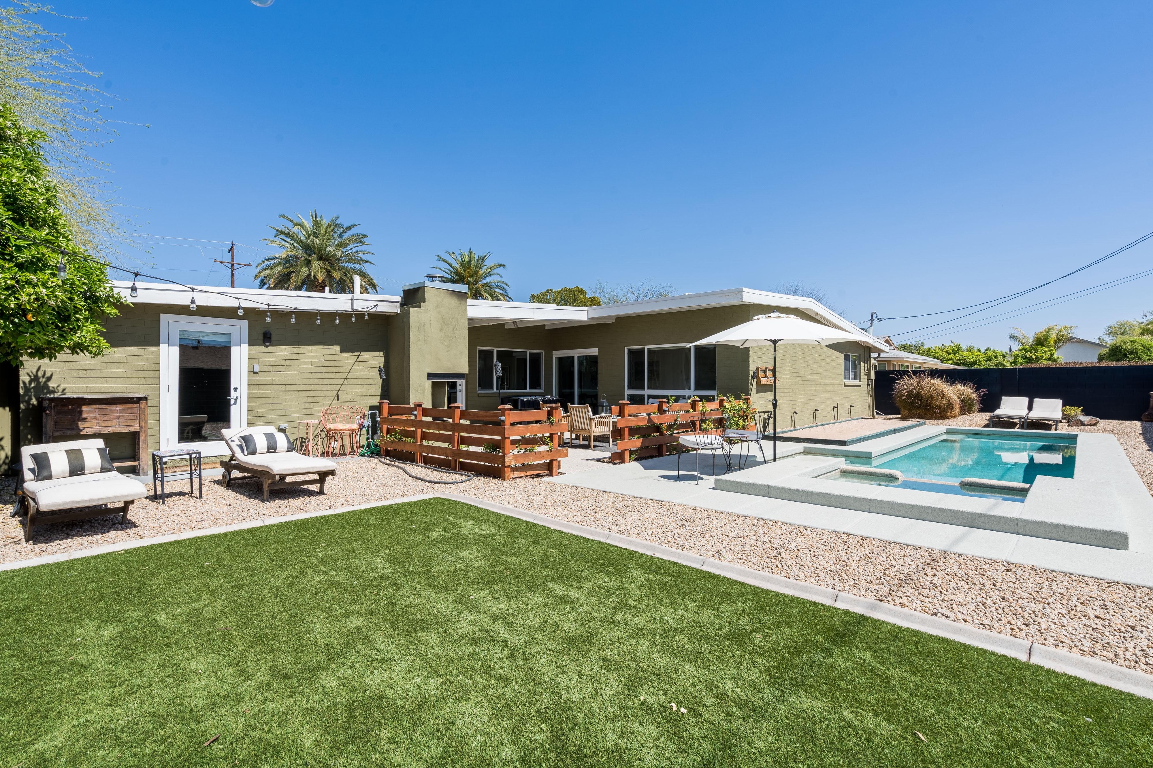 Stunning Designer Home w/ Heated Pool, Hot Tub & Bocce