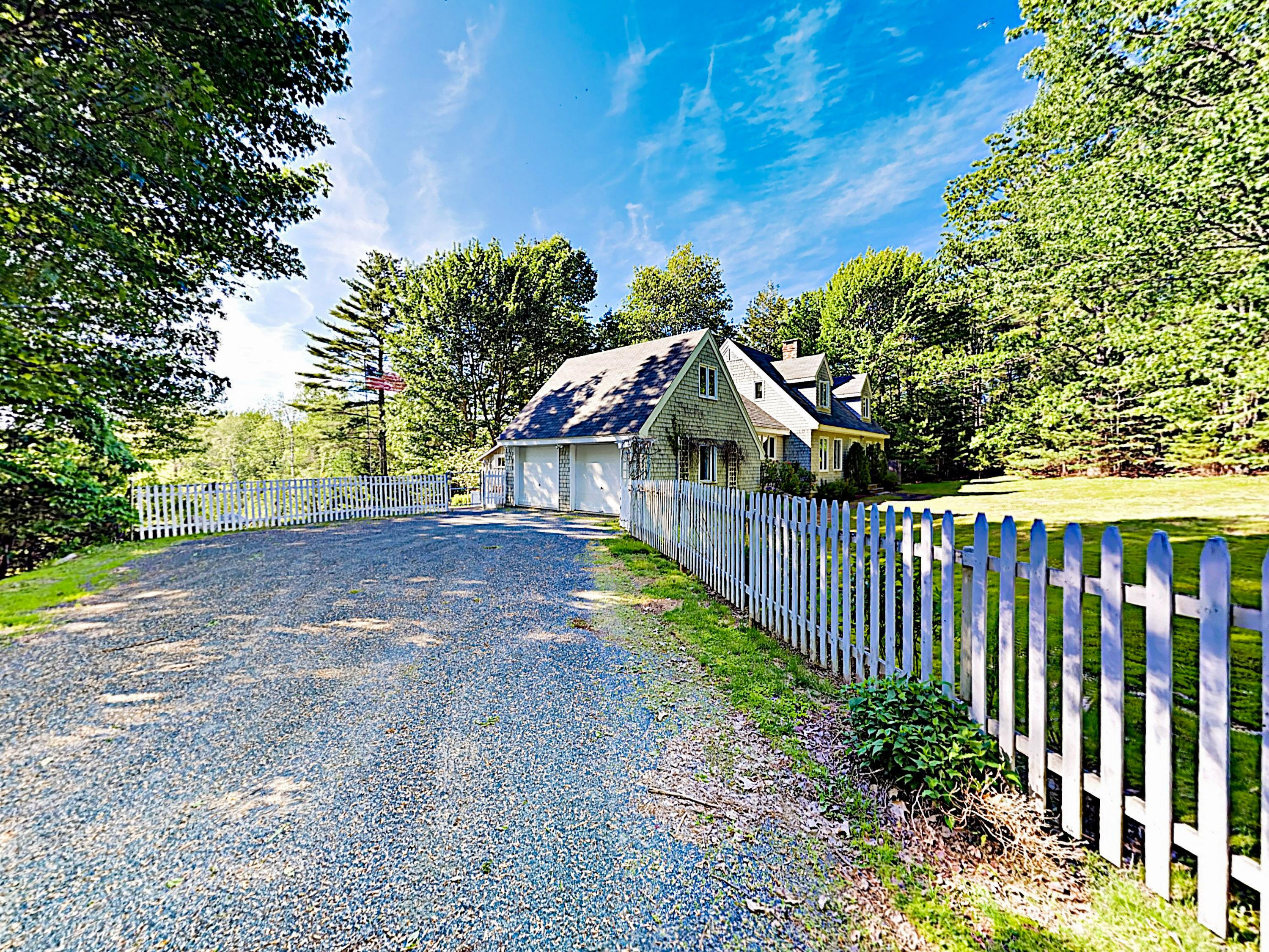 Private Waterfront Home Minutes from the Best Maine Offers
