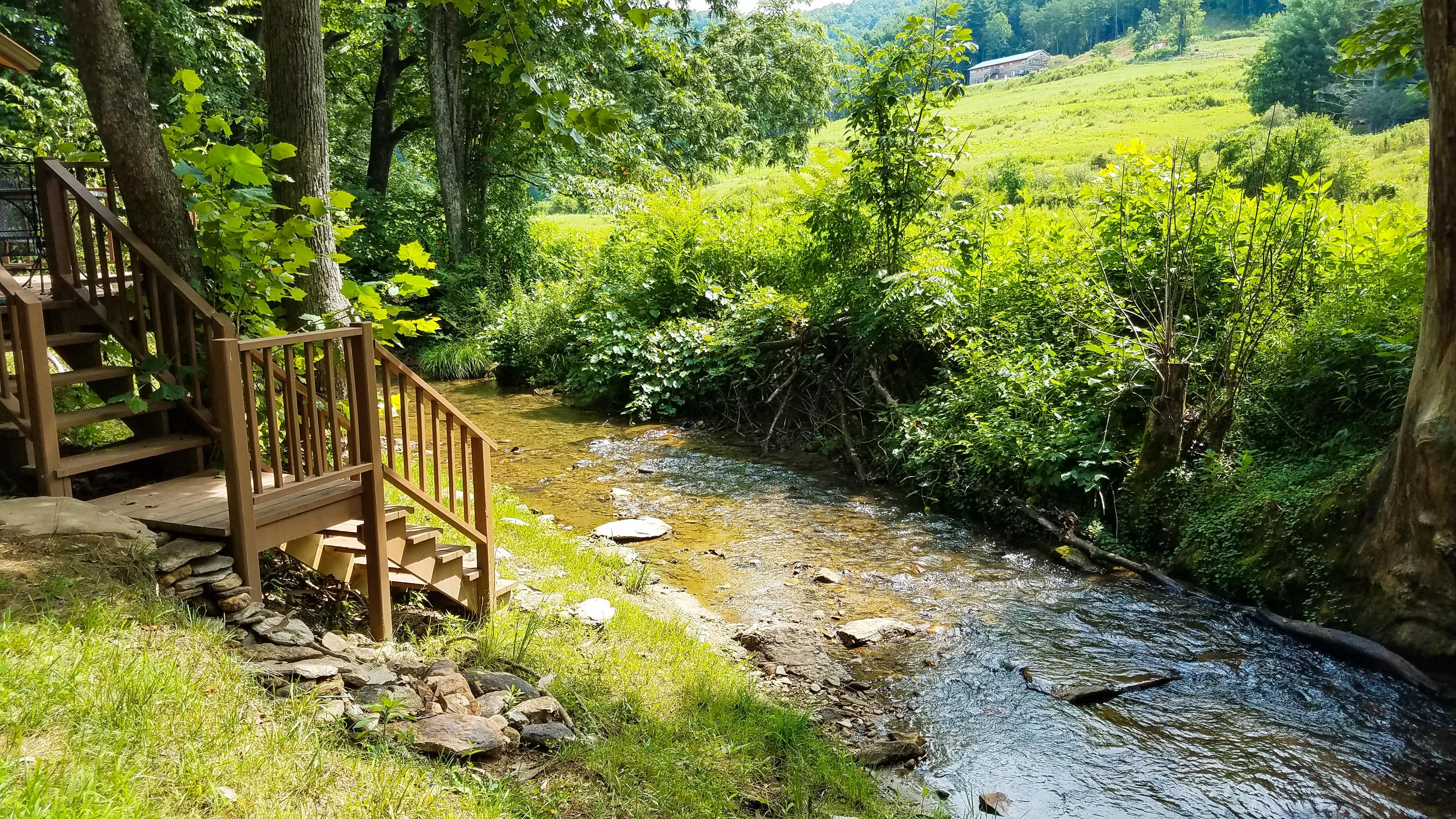 Secluded Getaway: 3 Cozy Cabins w/ Babbling Stream