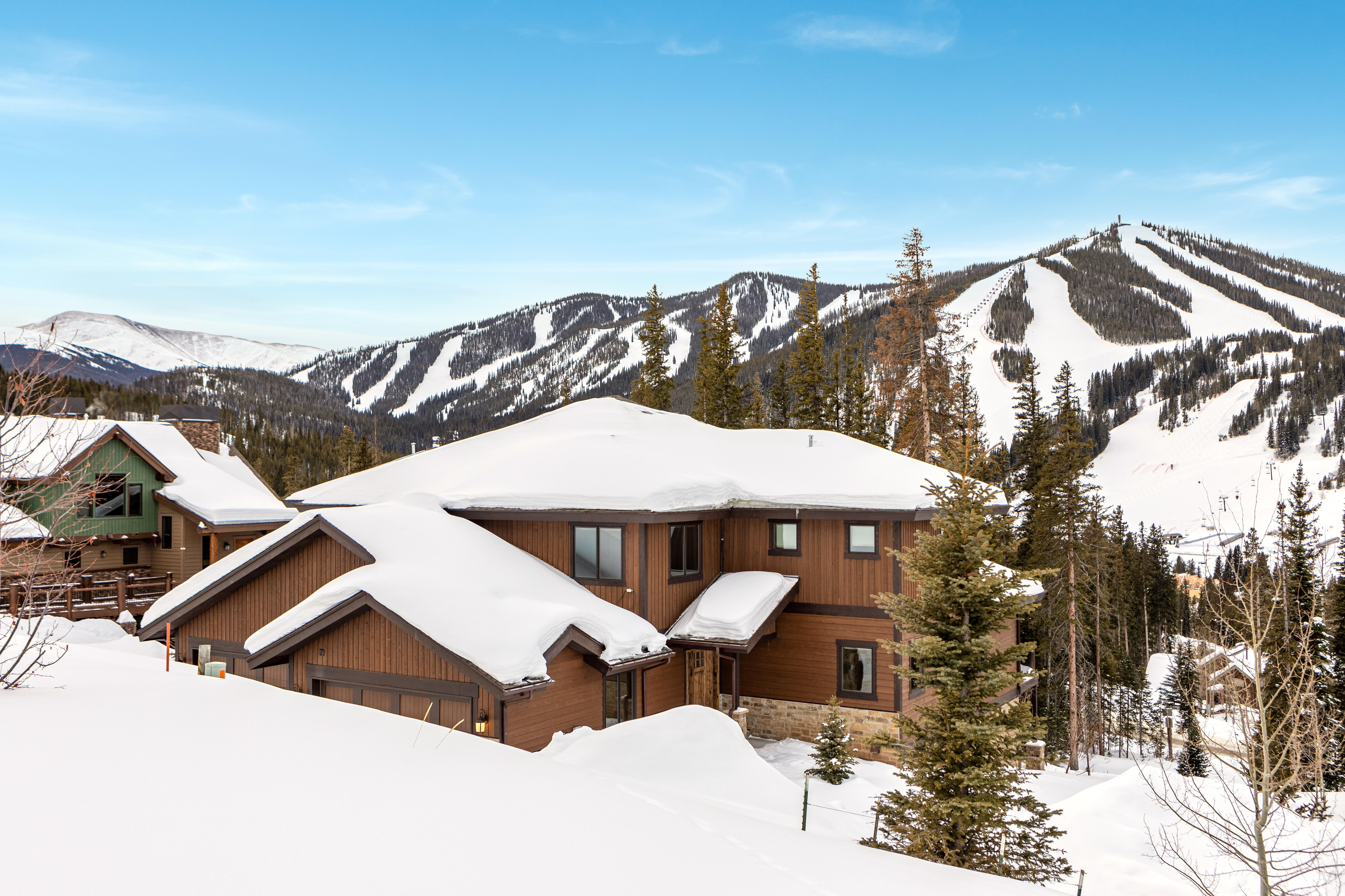 This home is situated less than 1 mile from Winter Park Resort, offering winter sports and a wide variety of summer activities and concerts.