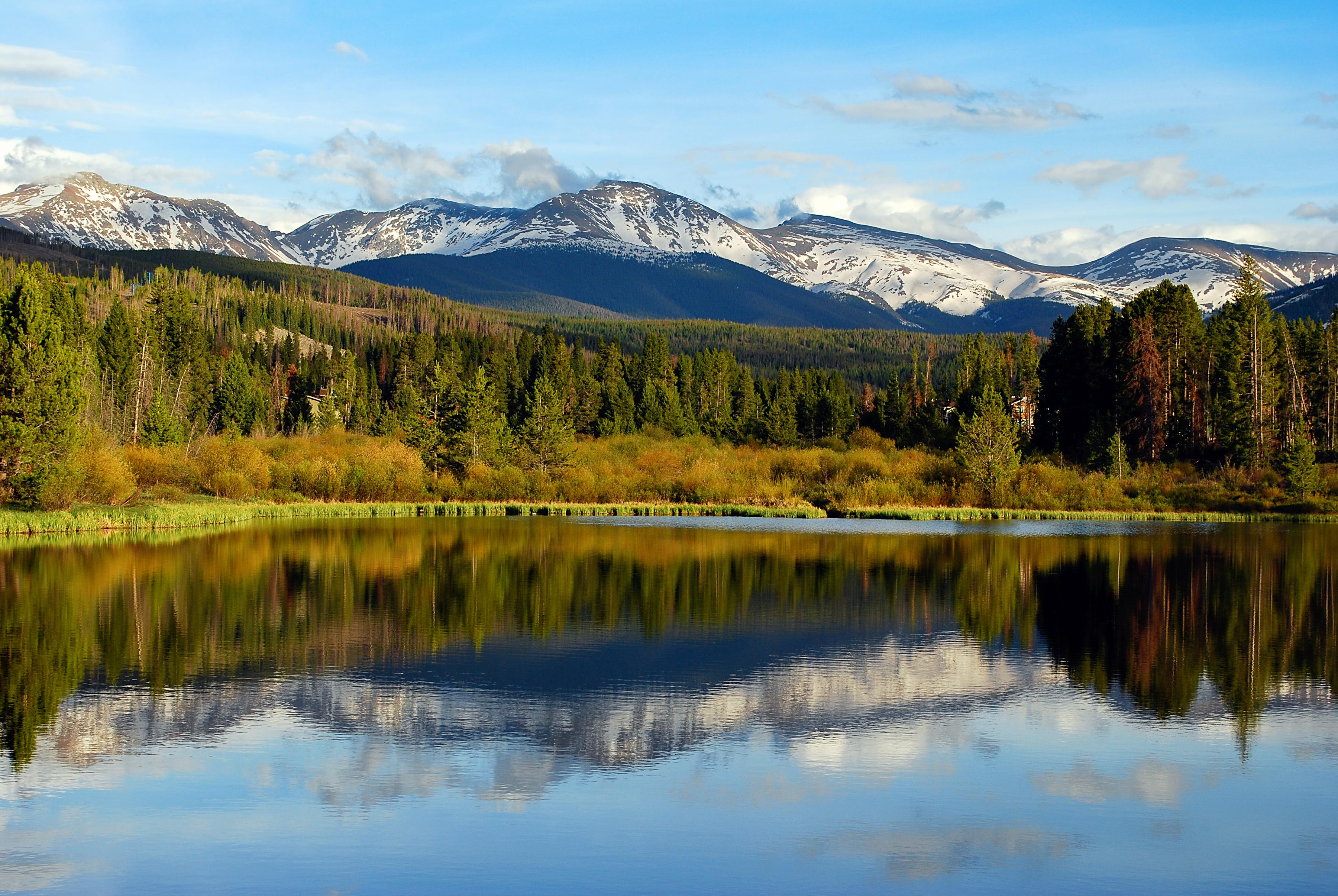 You're located within 2 miles of Rocky Mountain National Park and the Grand Lake Beach & Boardwalk.