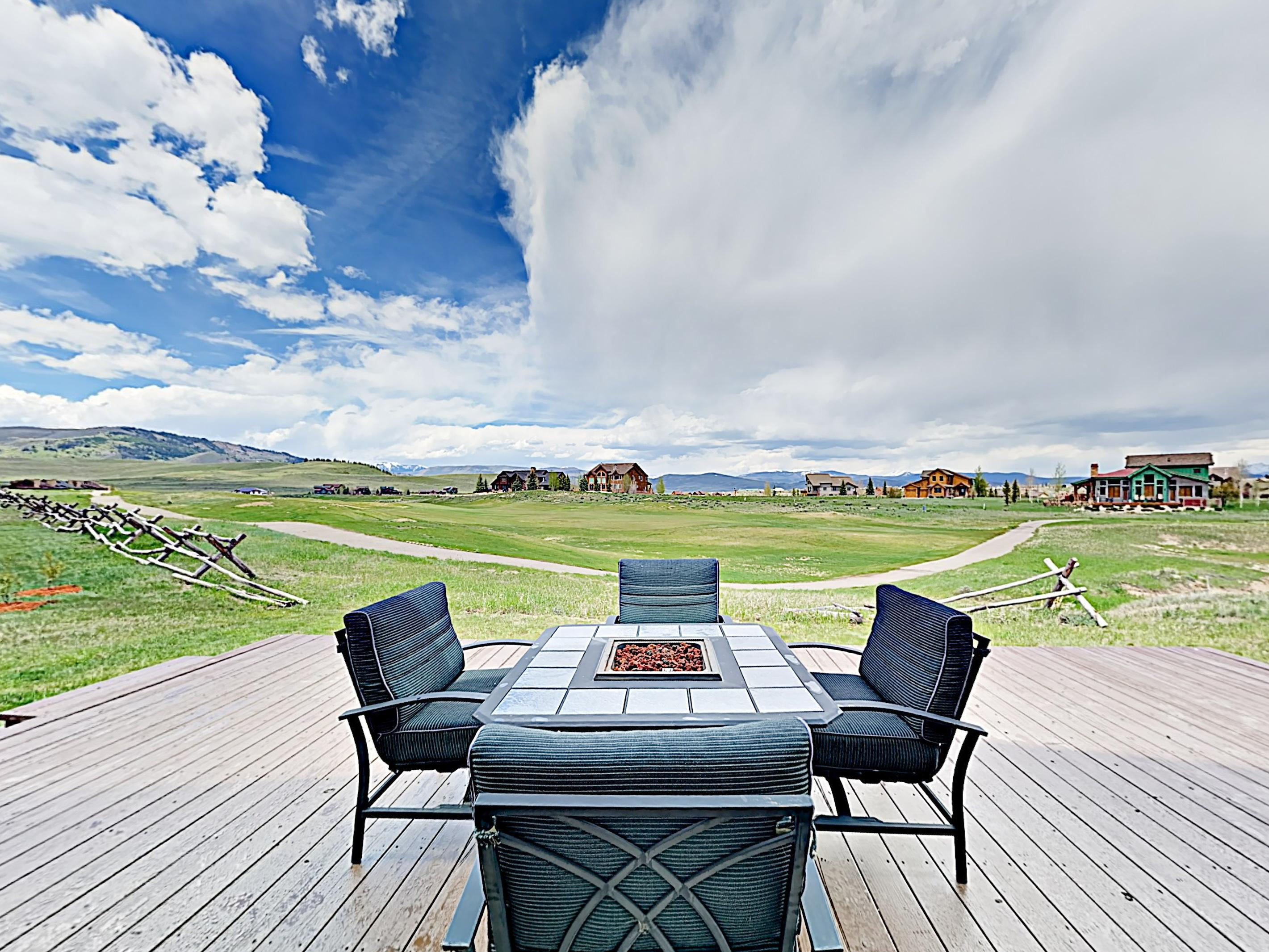 Property Image 2 - Seventh Heaven: Grand Elk Getaway with Hot Tub and Deck