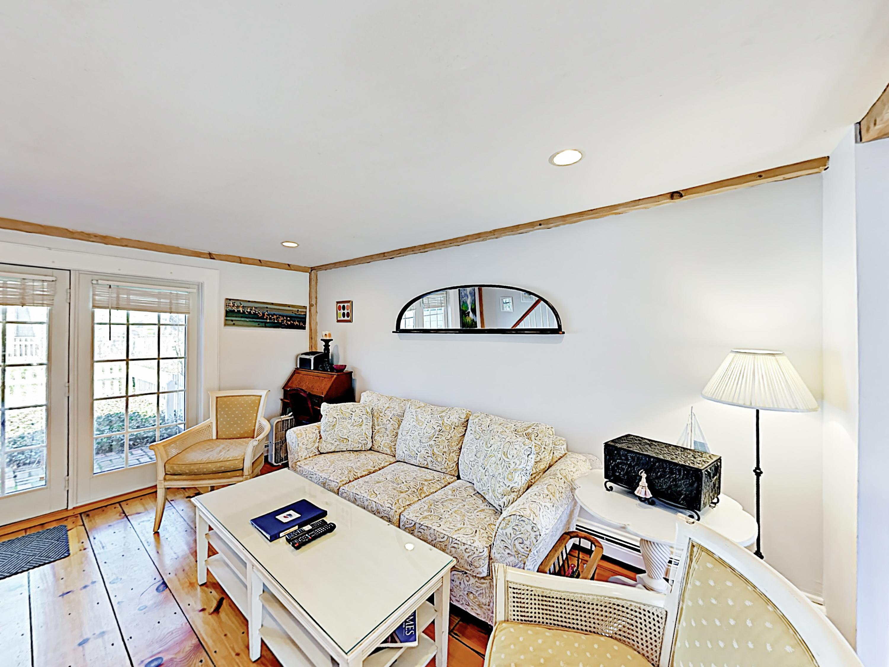 New Listing! Cozy Cape Cottage, Near Private Beach