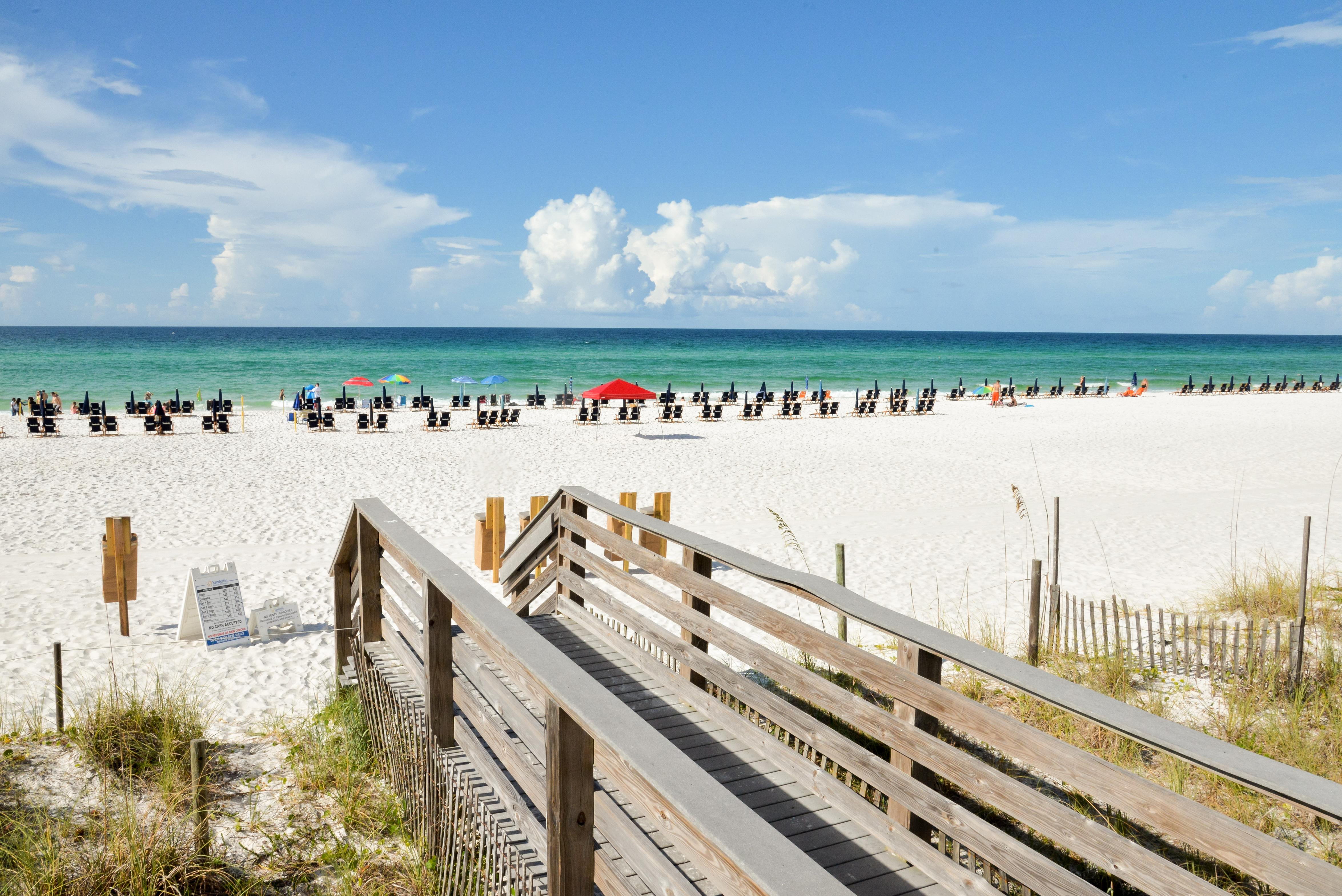 This conveniently located resort condo sits just 0.2 miles from incredible Destin beaches.